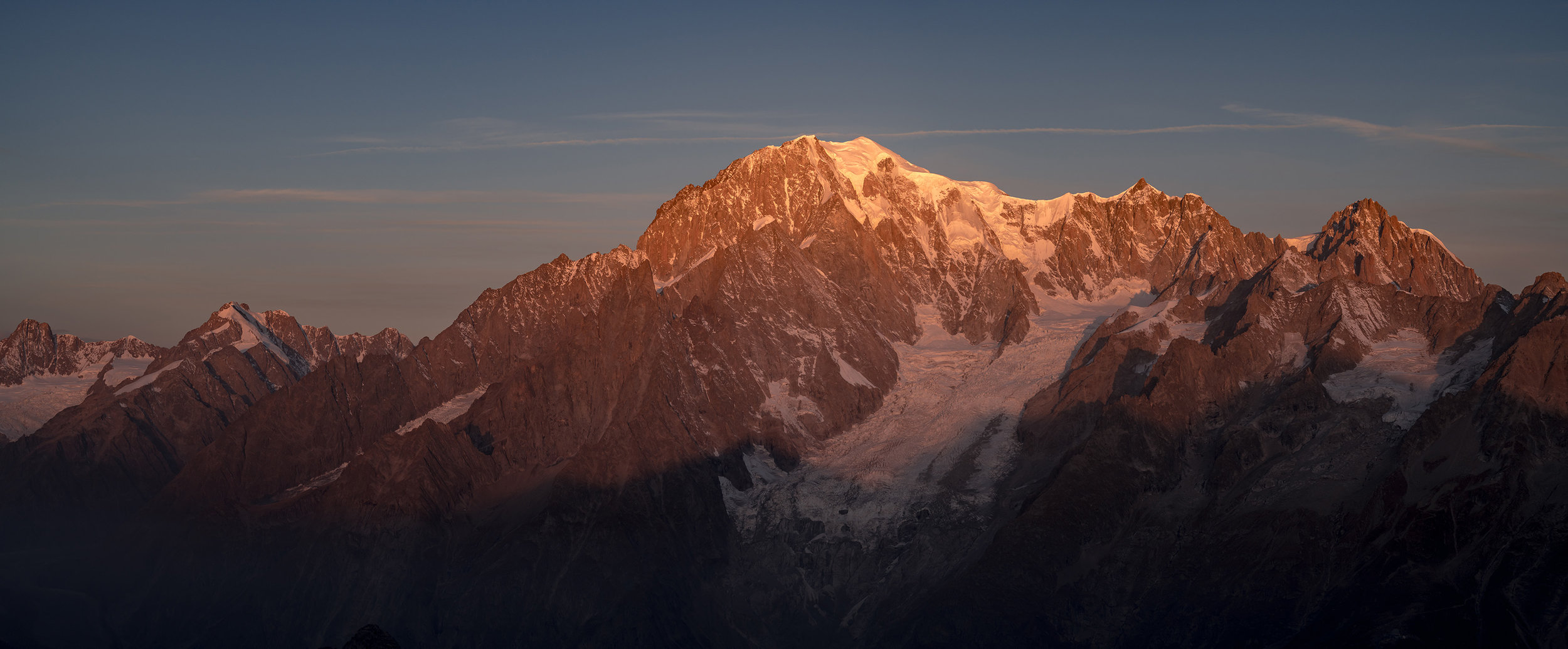 A panoramic shot of Mont Blanc shot from Tête de Licony (October 2017). Credit Ben Tibbetts.