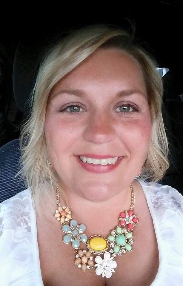 Meet Gina Edwards - Disney Vacation Planner, Nurse & Scentsy Fan