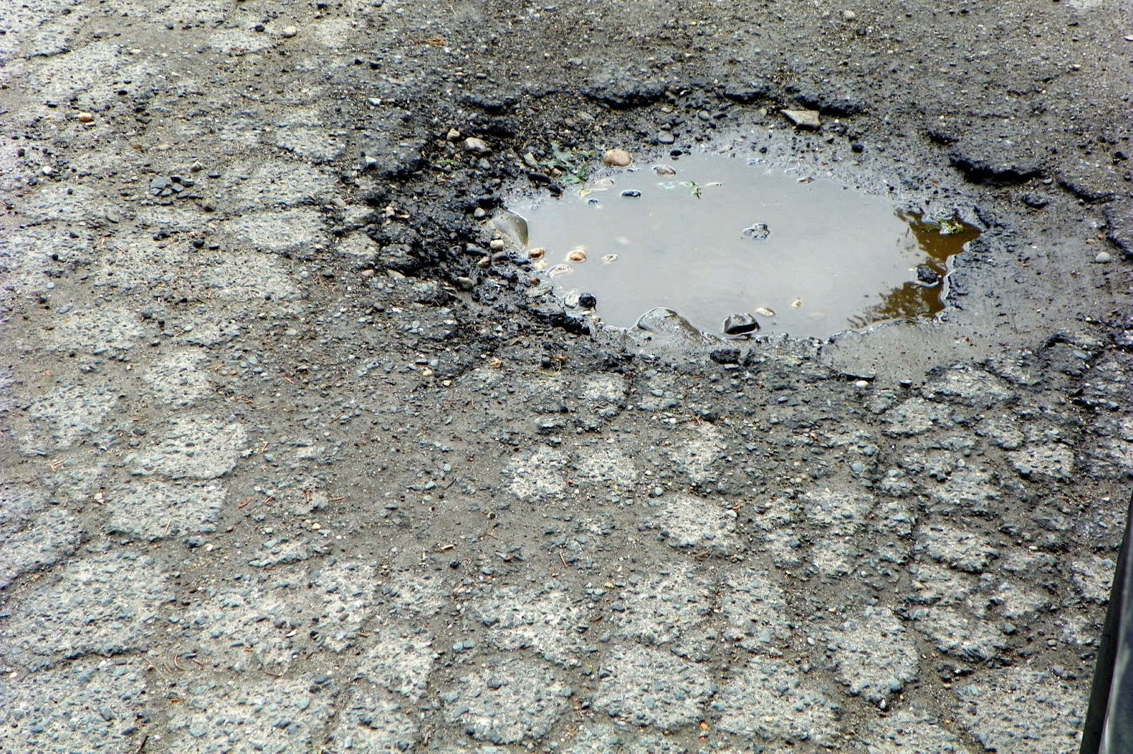 Farview Way pothole.JPG