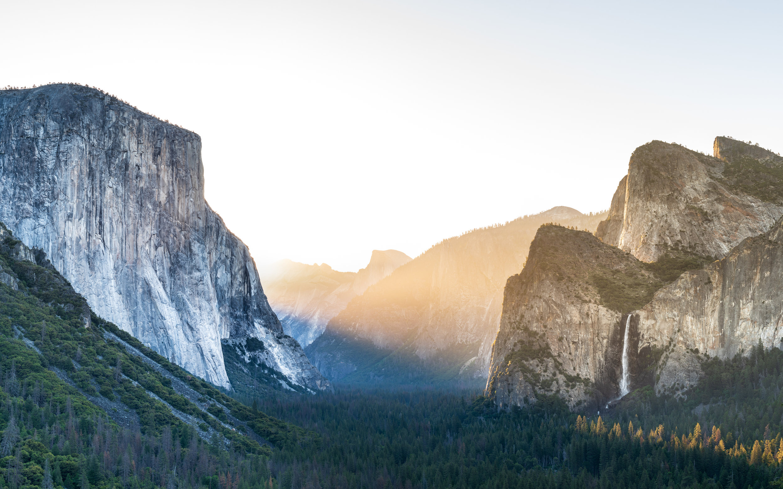 """Yosemite Tunnel View (5 shots Panoramic merge, 1/25 sec at f/8.0, iso64, 70-200mm len @70mm) GPS coordinate: 37°42'56.0""""N 119°40'36.8""""W"""