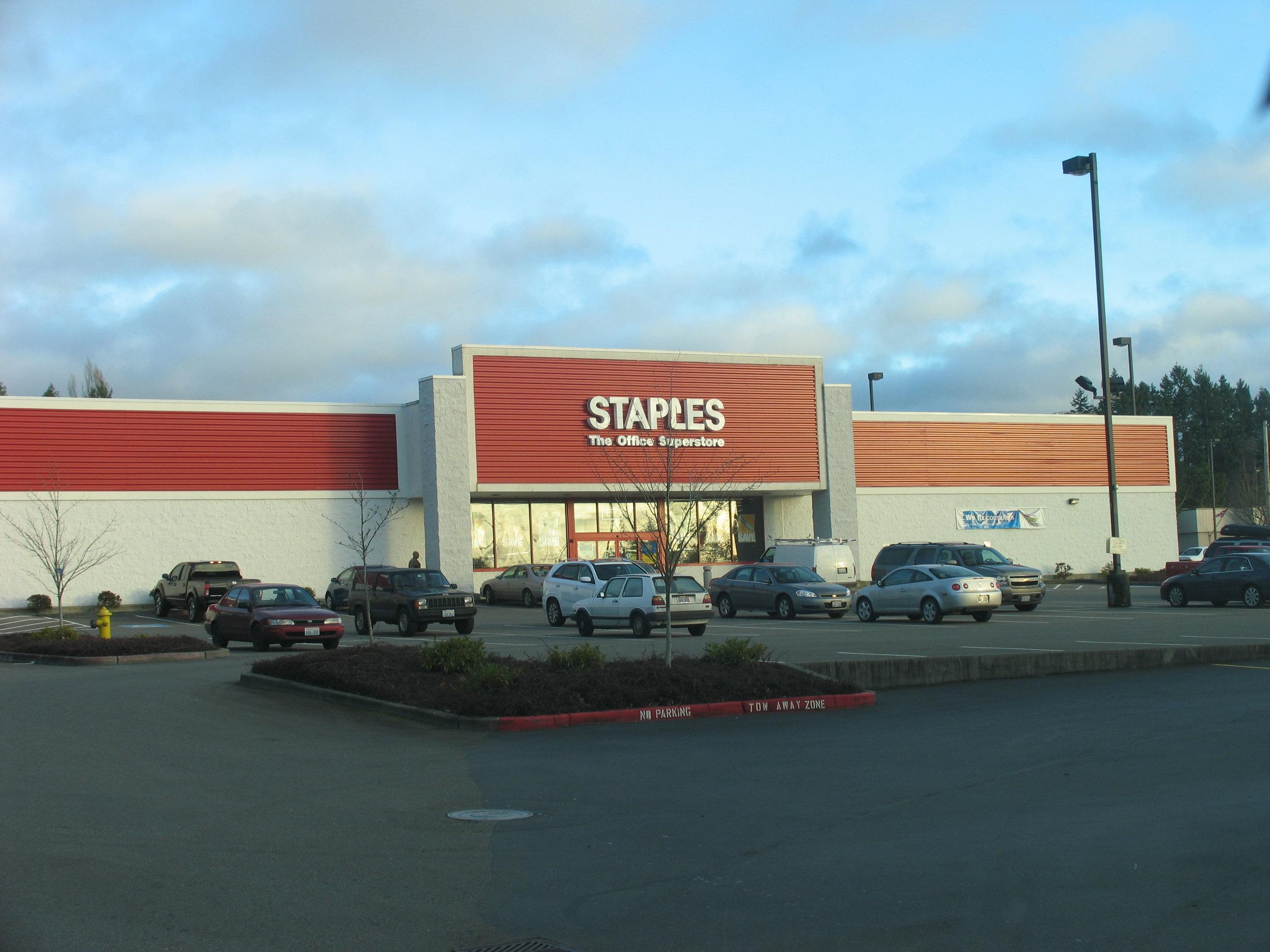 Staples - Lund Avenue, Port Orchard, WA.JPG