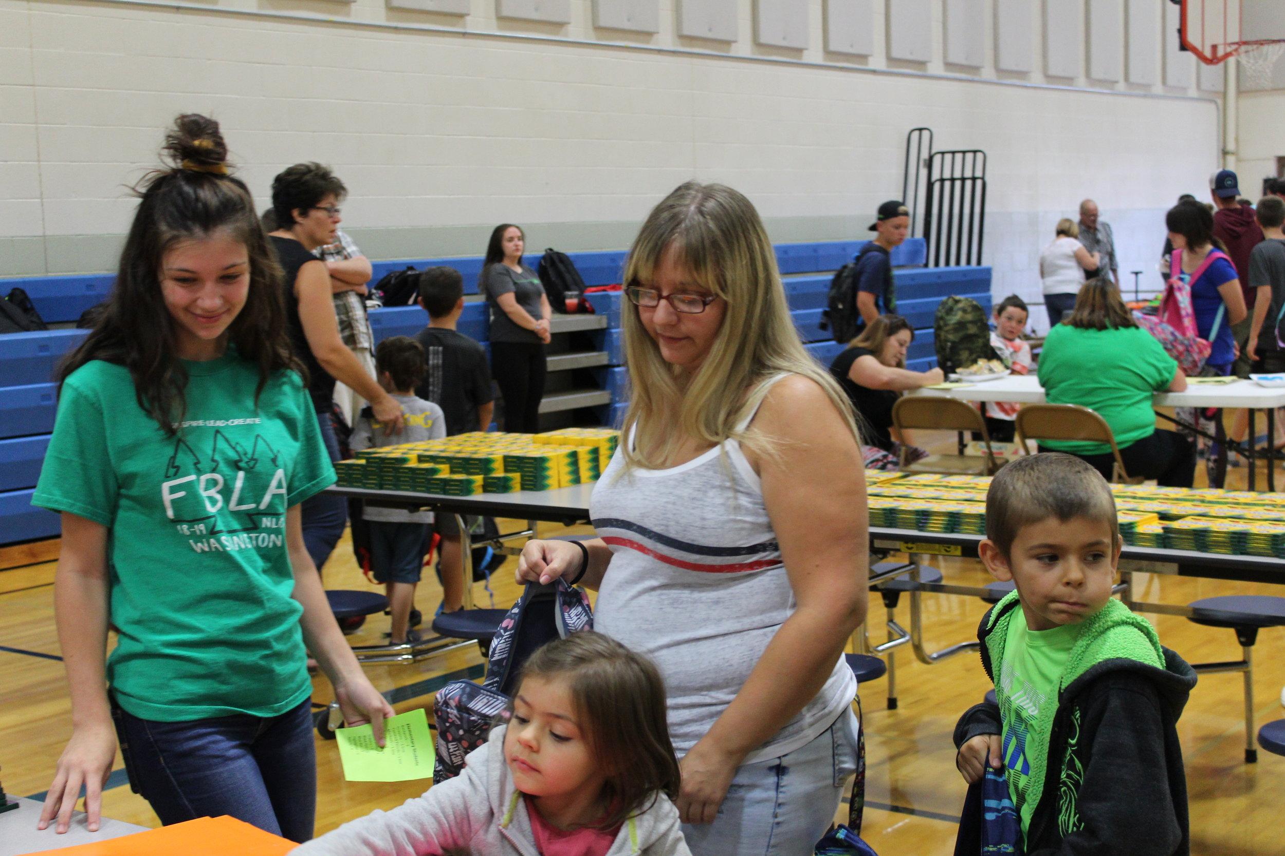 Grace Smith helps EV family.JPG