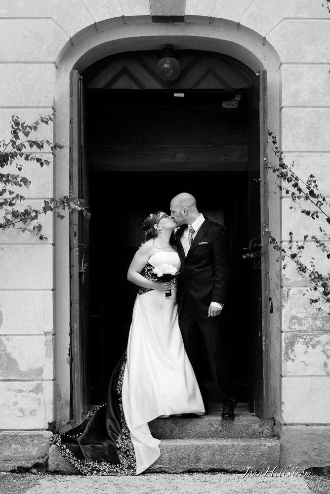 wedding-photographer-hedenlunda-castle-Annica-Tommie-av-John-Hellstrom-002.jpg