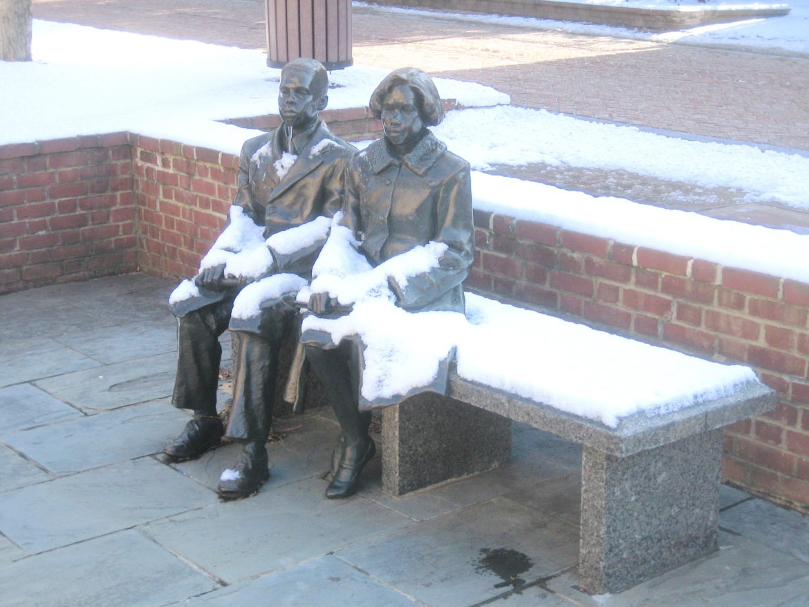 Lawyers-Mall-figures-in-Snow-1170x878.jpg