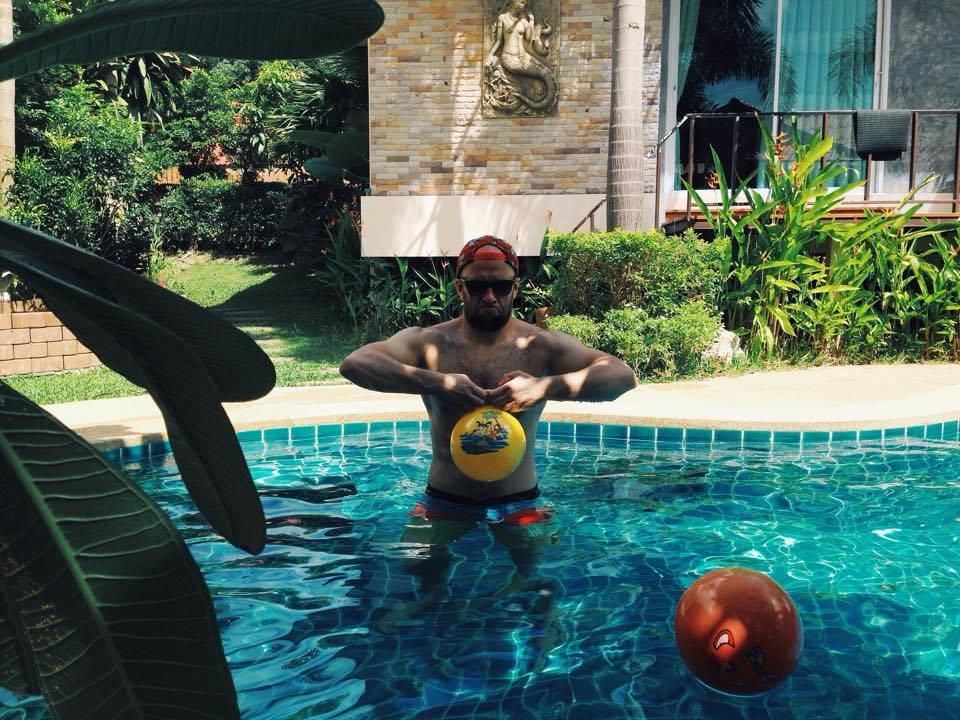 Trening kettlem w basenie ;)