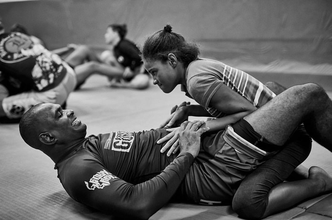 Trening w faveli Cantagalo.