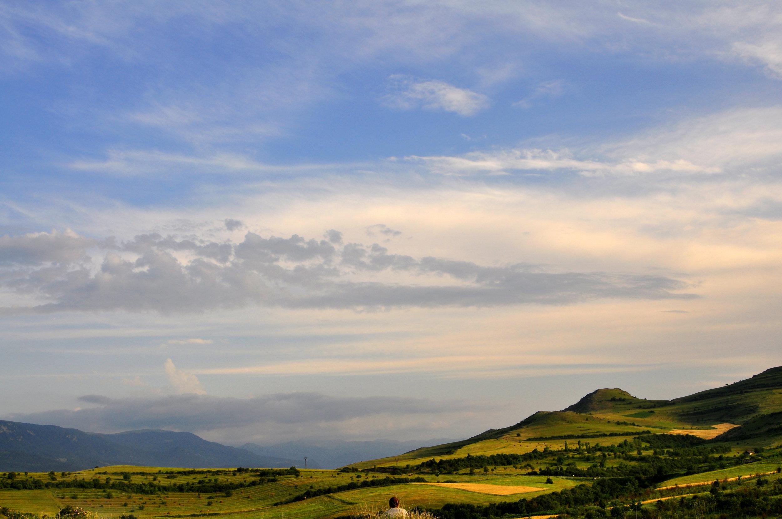 Piękny widok, ale z tego co pamiętam miejsce mało bezpieczne, bo tuż przy granicy Górskiego Karabachu. Co tam robiliśmy, już nie pomnę :P