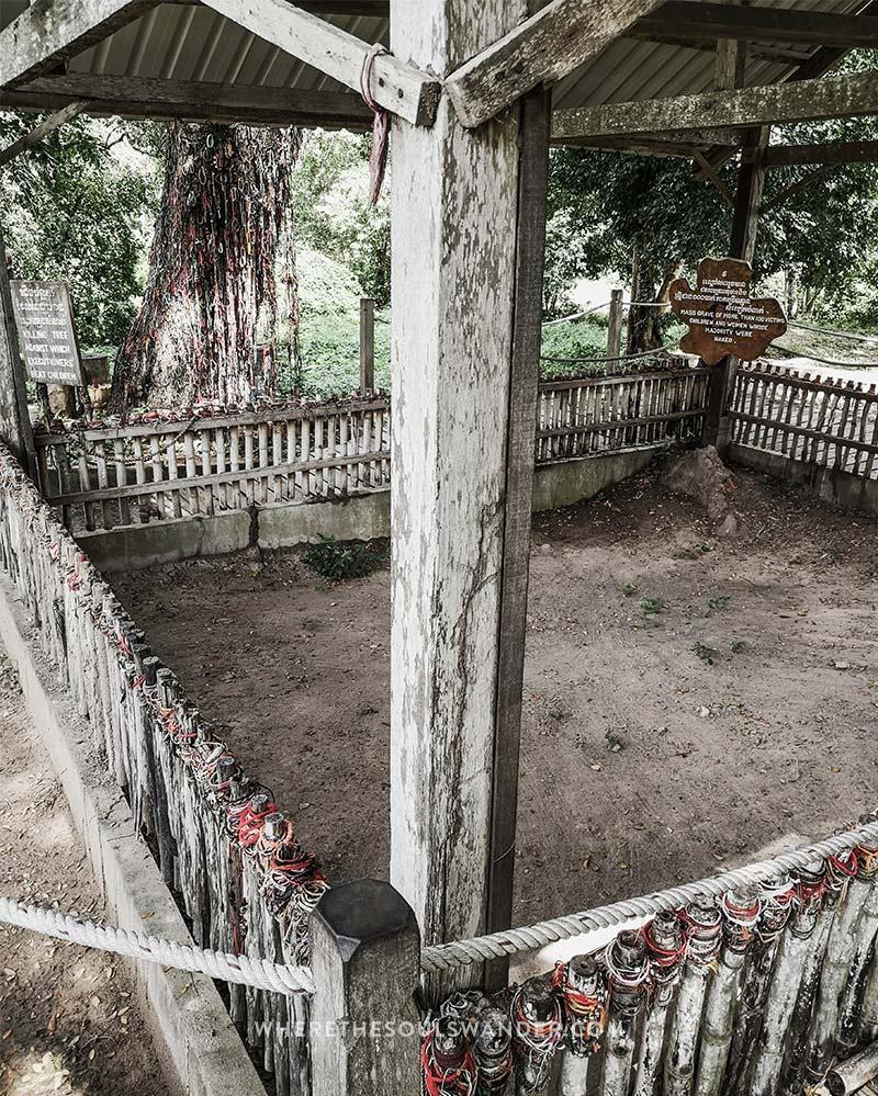 Mass grave at Choeung EK