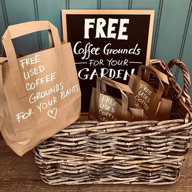 Summer is fast approaching 🌞 so it's time to get the gardening gloves out! Used coffee grounds ☕ are an excellent source of nutrients for your plants 🌿 so come in and help yourself to a bag for FREE! . . . . . . . . #coffegrounds #reducewaste #eco-friendly #environmental #recycle #reuse #nowaste #alchemycoffee #origincoffee #summer2019 #gardening #zerowaste #outdoors #nature #biodegradable #pizzaproject #pizzaprojectcafe