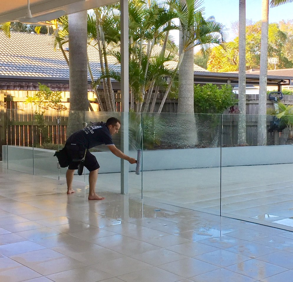Pool fencing or balustrades look fantastic when cleaned properly. This pool fence in Currumbin sparkled after a squeegee.