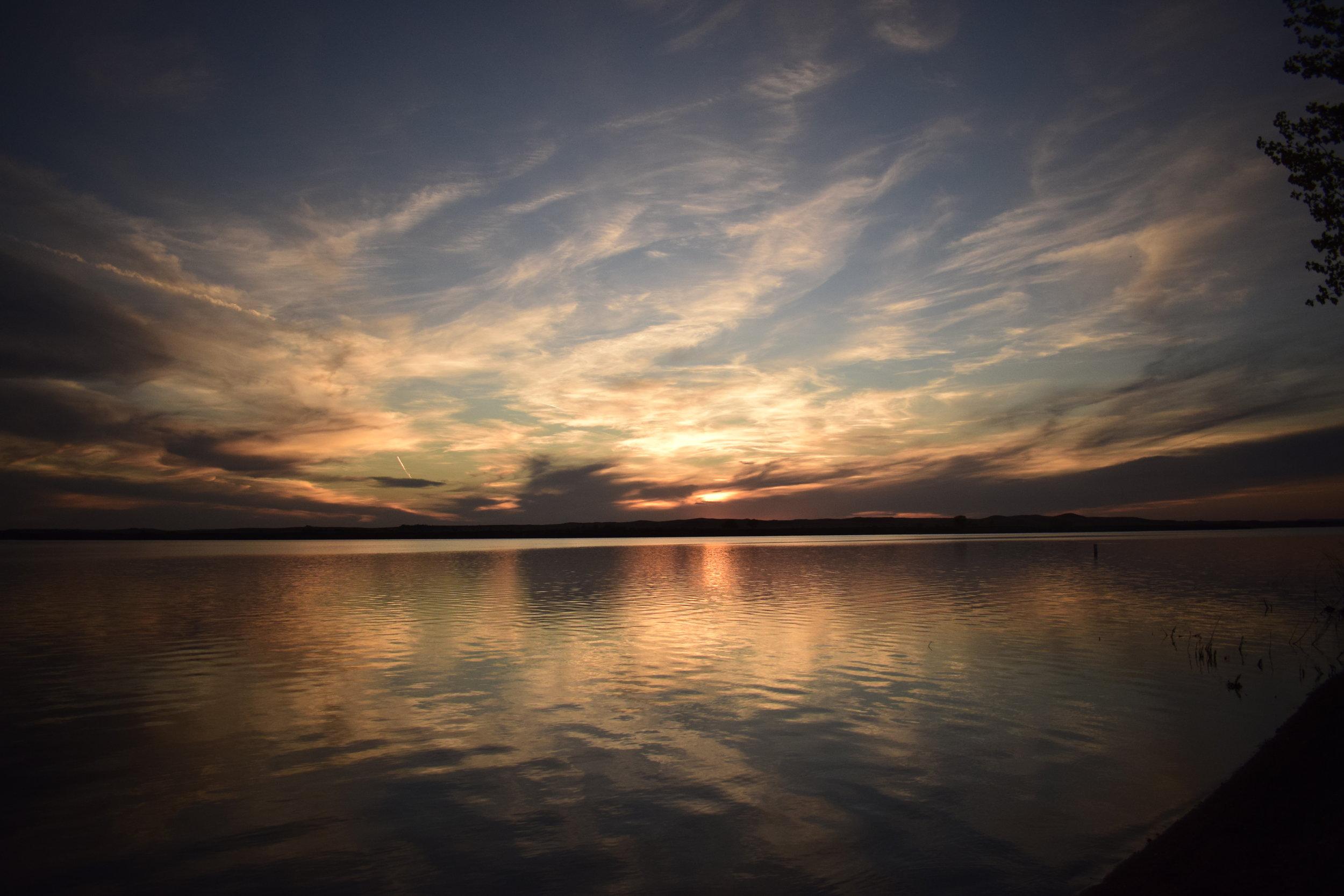 Sunset @ Shadehill Reservoir.JPG