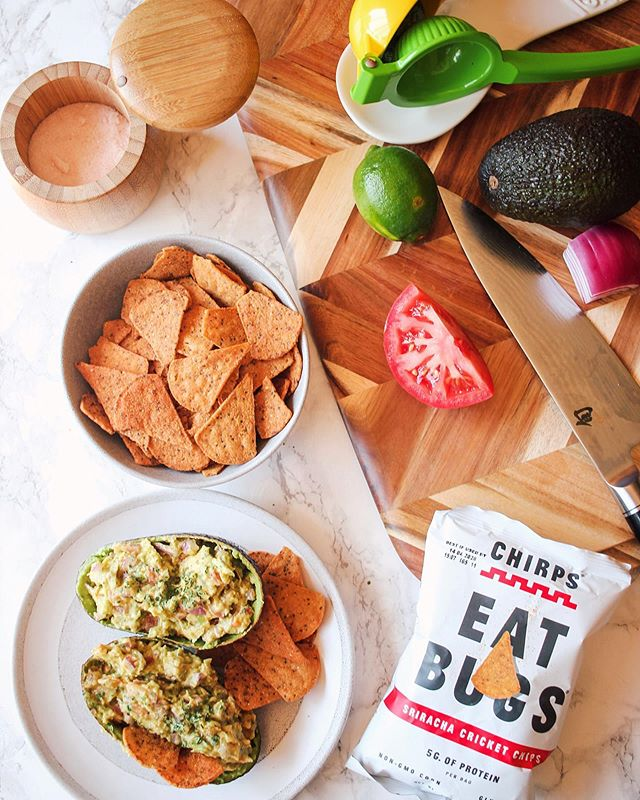 Basic guac bitch over here 🥑 . .  #foodfeed #eatclean #forkyeah #goodeats #foodporn #instafood #realfoods #realfood #mindfuleats #mindfuleating #wellnessjourney #productstyling #productshoot #foodphotography #photoshoot #commercialphotography #foodlover #foodpics #delicious #creativelysquared #stilllife #stilllifephotography #stillswithstories #enjoythelittlethings #flashesofdelight #livethelittlethings #thatauthenthicfeeling #seekthesimplicity #flatlay