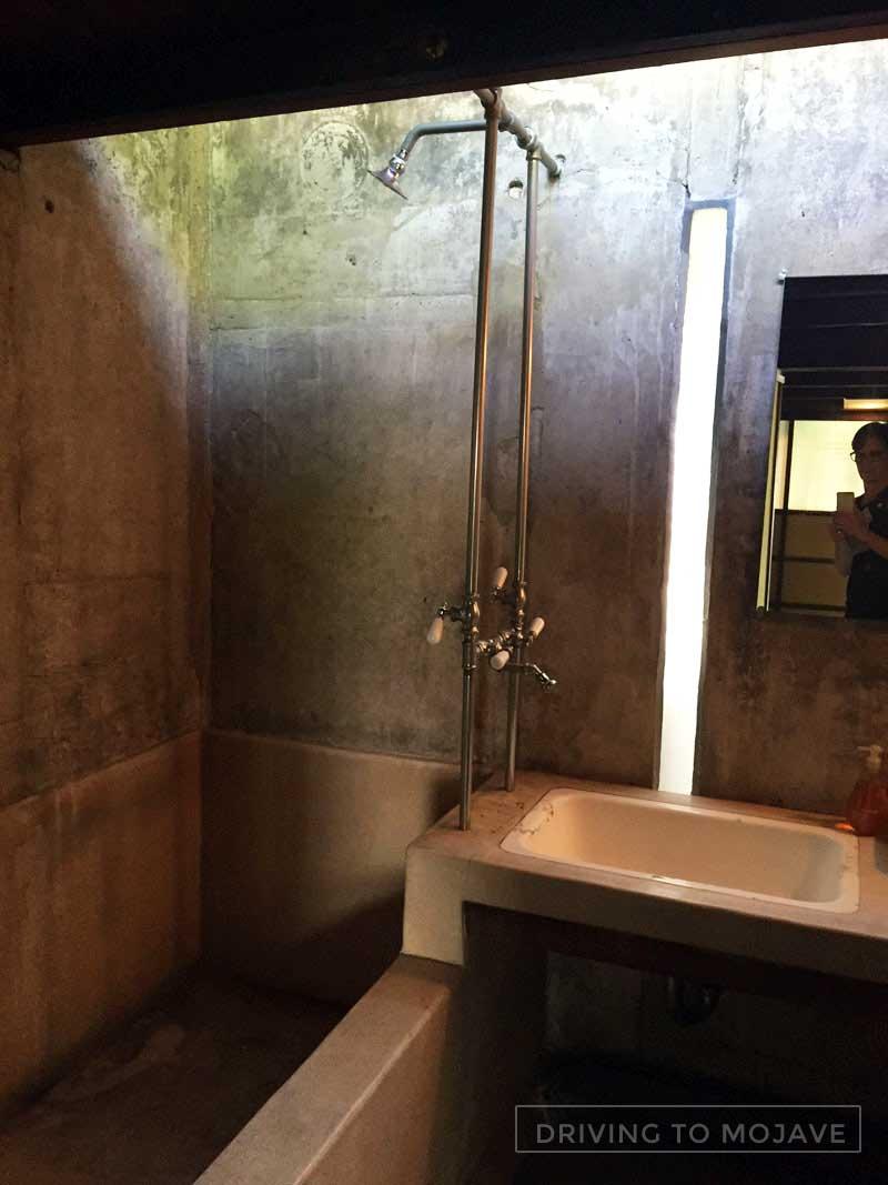 SchindlerHouseKingsRoad-bath.jpg