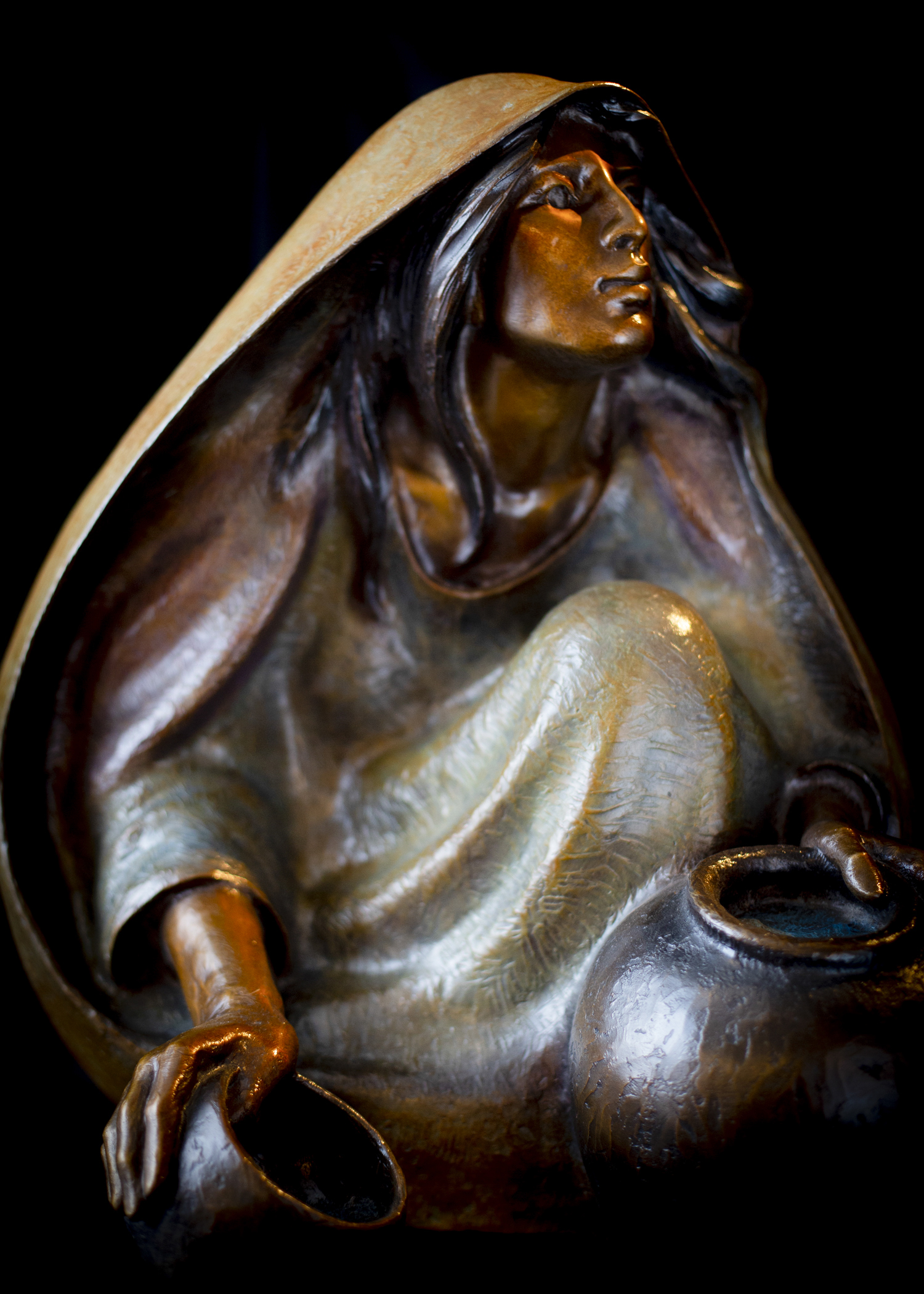 "Windsong Sage | 22"" x 21"" x 19"" 
