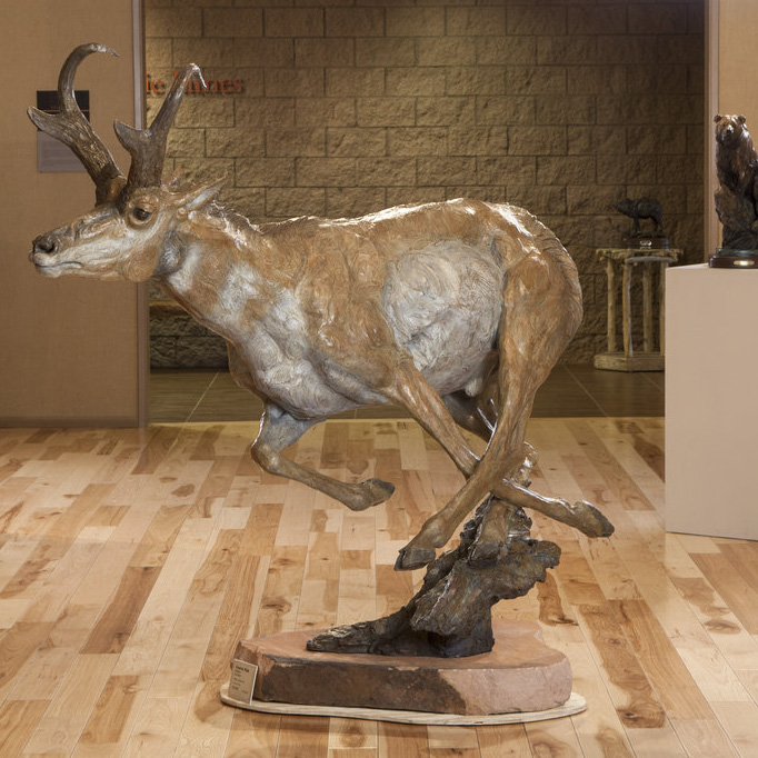 """Express Male, Monument 