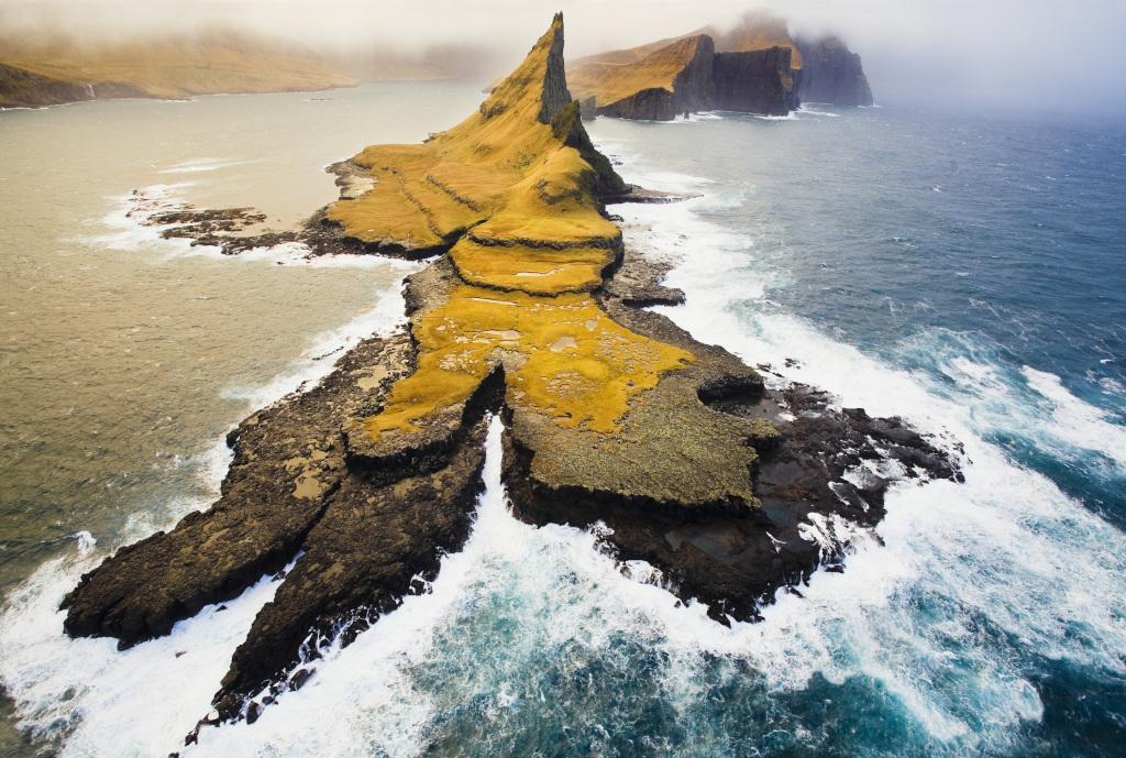 Heli-view-of-the-Faroe-Islands-Credit-Sergio-Villalba.jpg