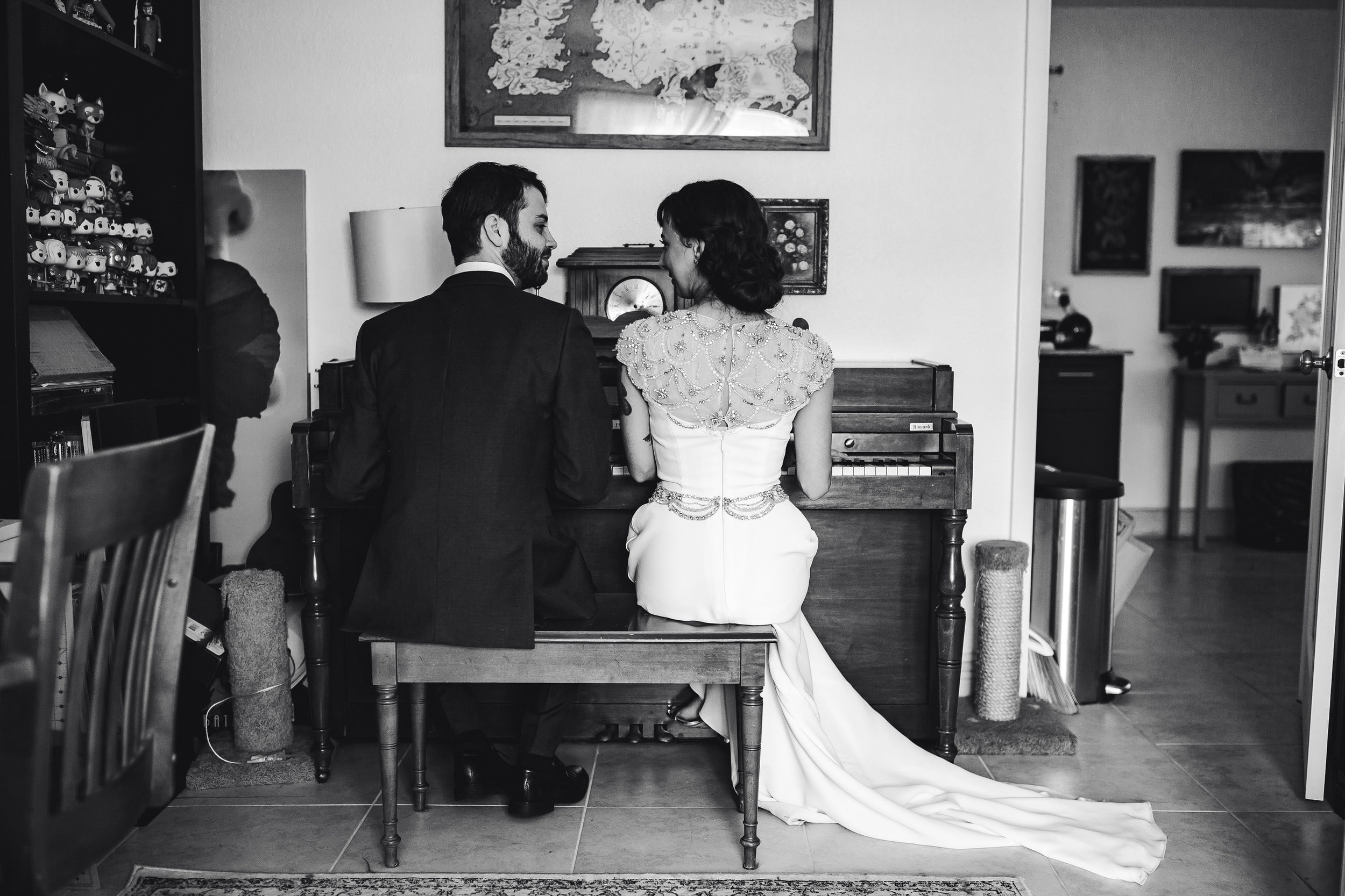 bride_and_groom_in_home_session_wedding_fort_lauderdale_photographer_steph_lynn_photo-6.jpg