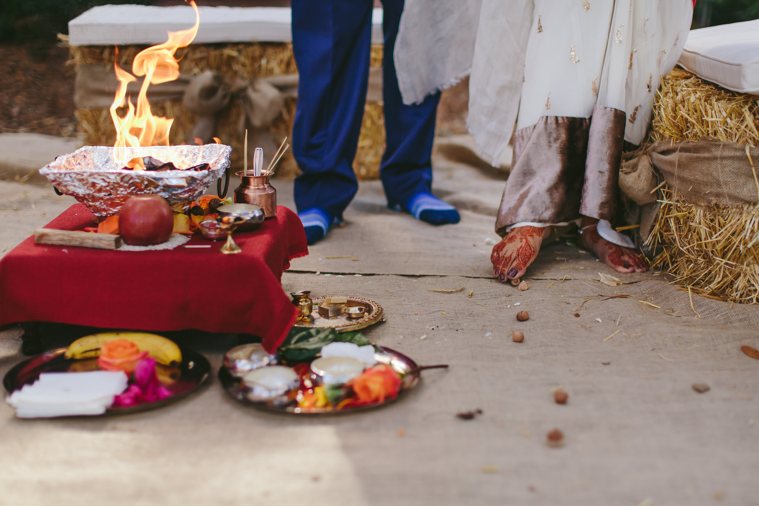indian-wedding-traditions-fire-flames-tiny-house-photo-details-ceremony.jpg