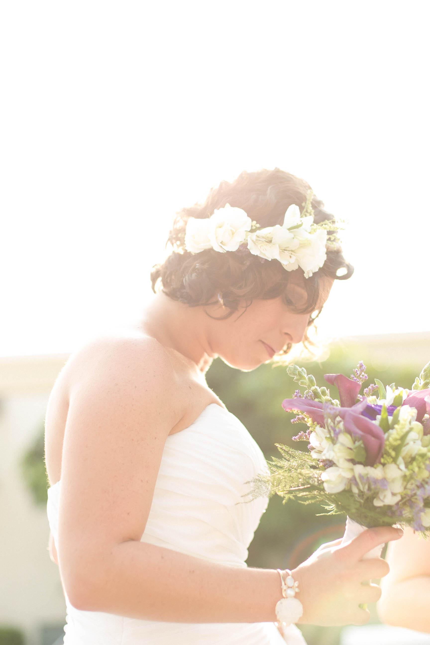 tiny-house-photo-bride-bouquet-sunlight-beautiful.jpg