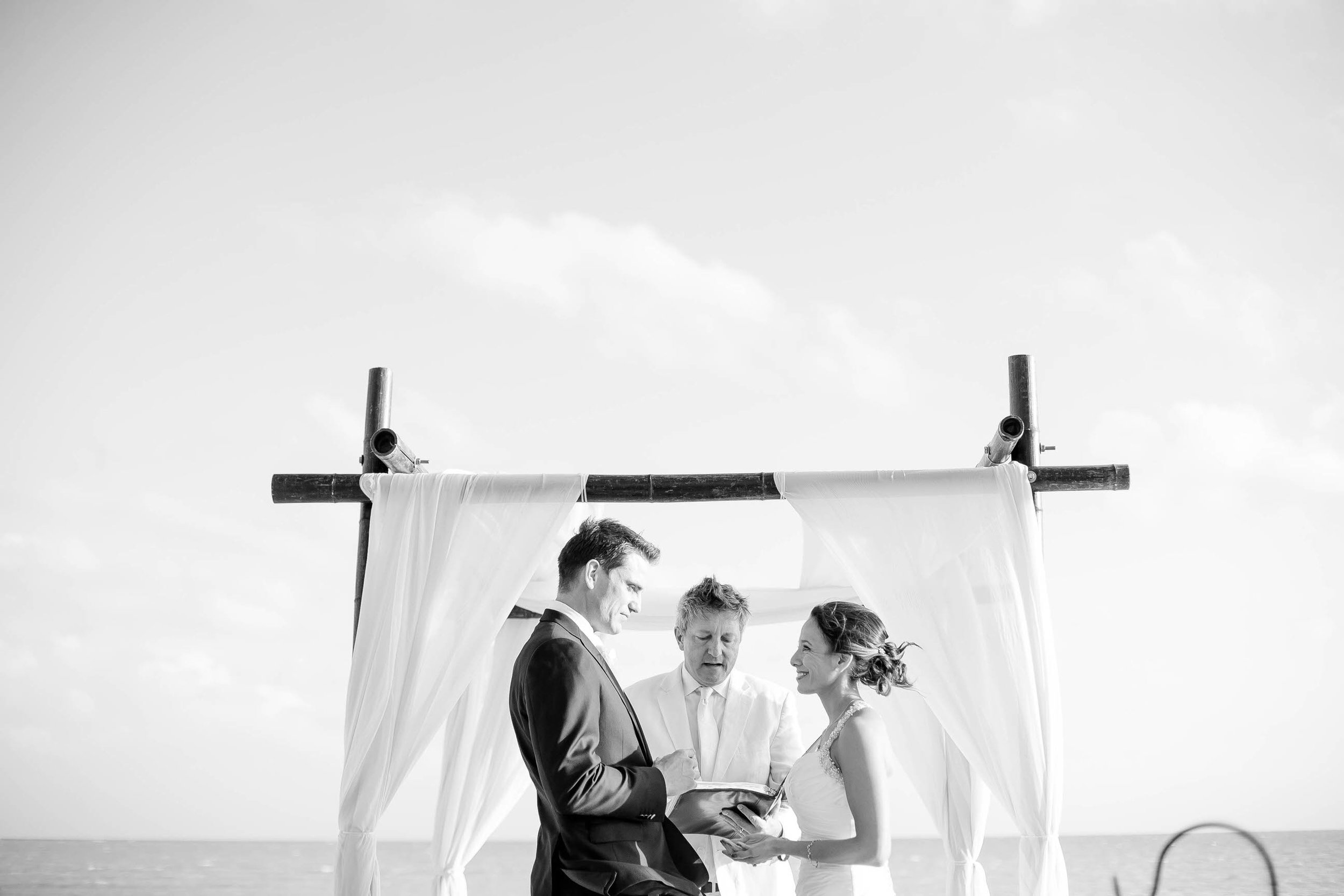 black_and_white_beachy_wedding_photo_tiny_house_photo.jpg
