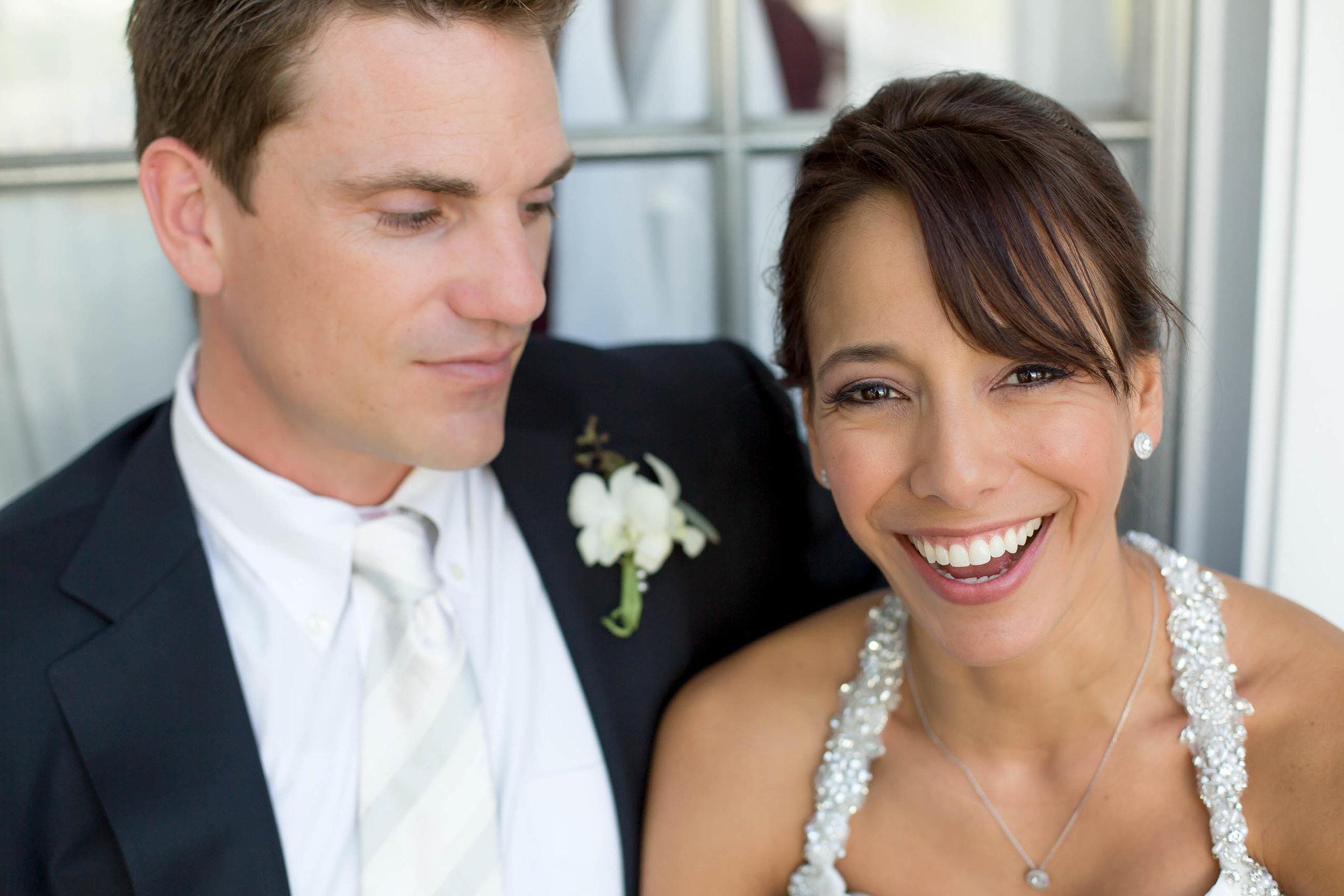 bride_laughing_florida_wedding_photographer_tiny_house_photo.jpg