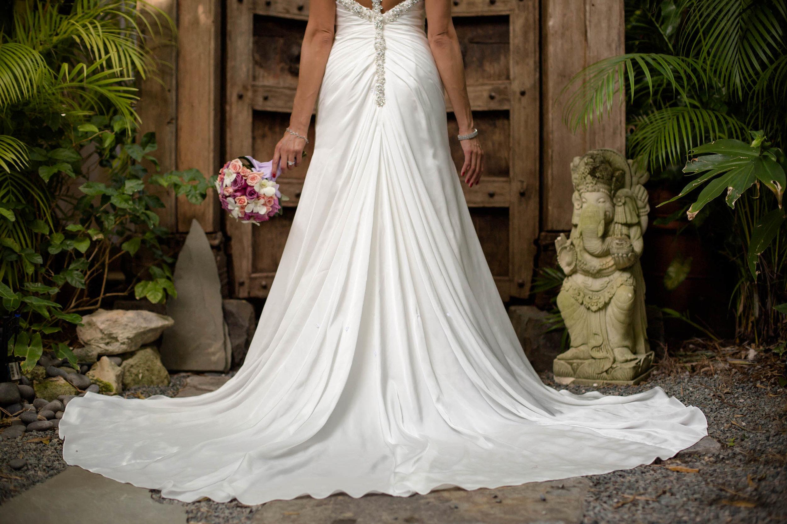 dress_details_tiny_house_photo_florida_keys_wedding.jpg