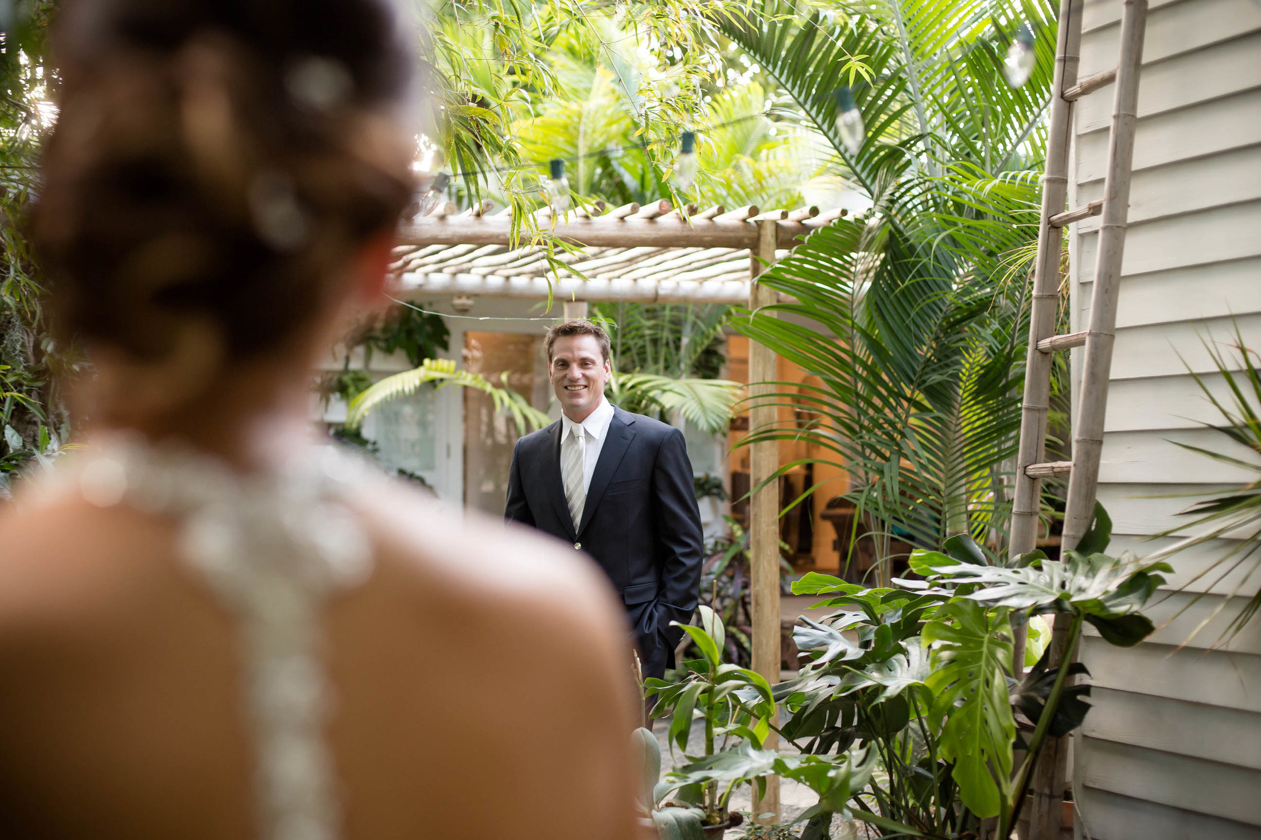 emotional_first_look_bride_groom_Key_West_Tiny_house_photo.jpg