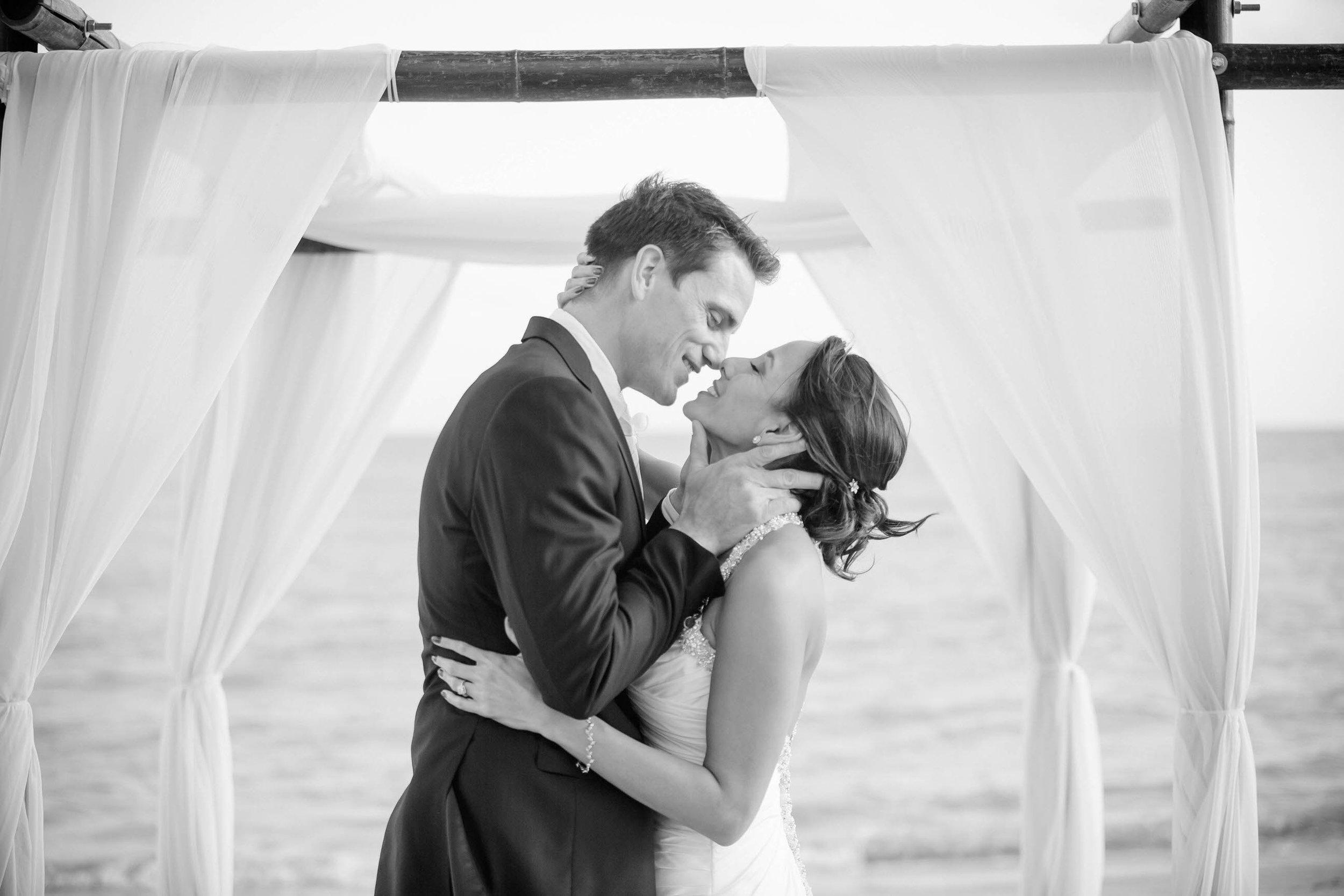 emotional_intimate_beach_wedding_tiny_house_photo.jpg