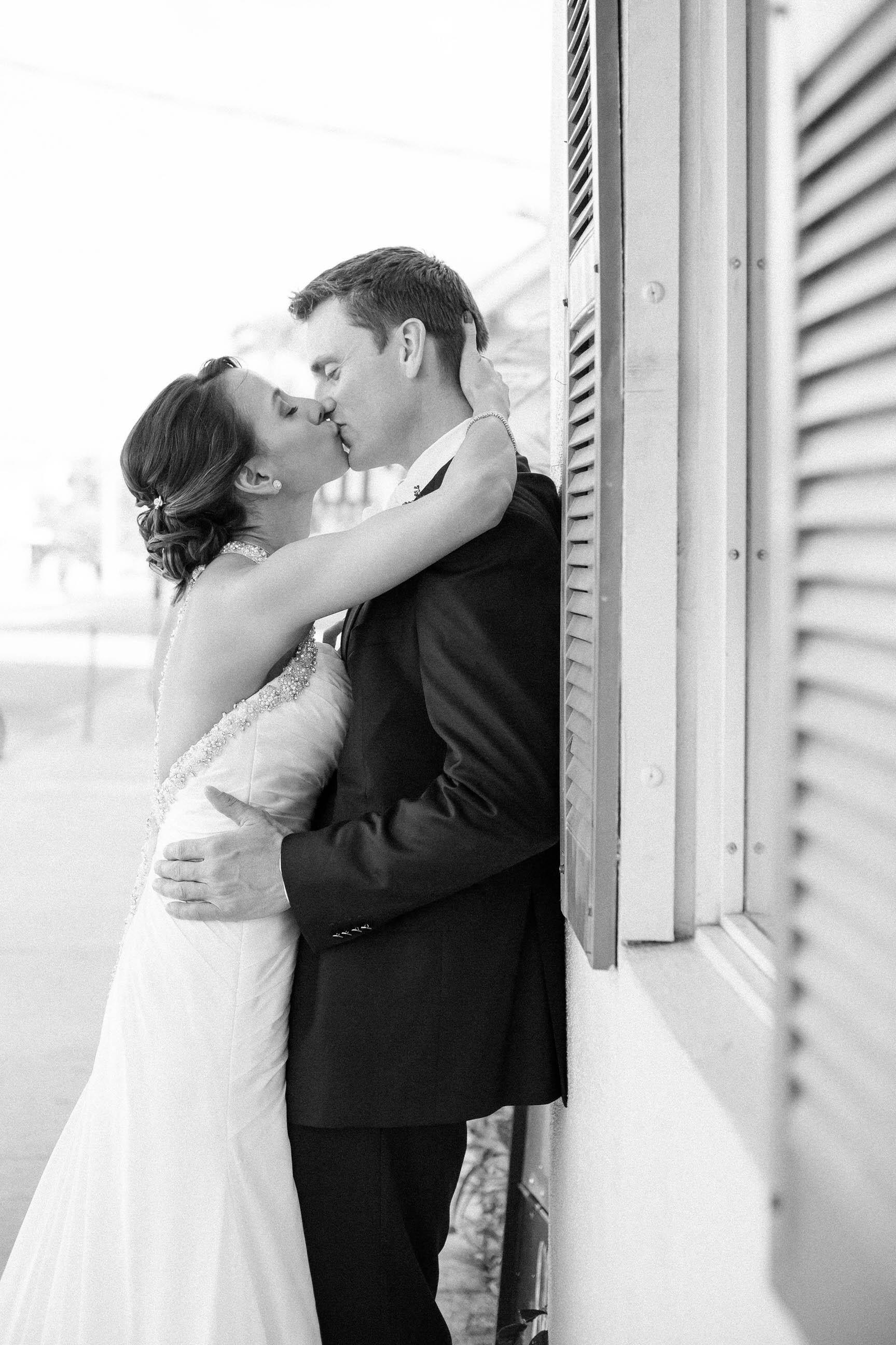timeless_wedding_photographer_tiny_house_photo.jpg