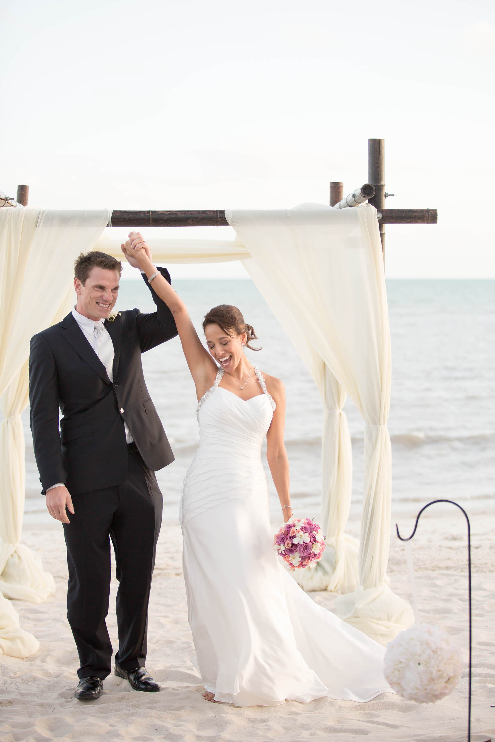 yes_emotional_moments_tiny_house_photo_beach_destination_wedding.jpg
