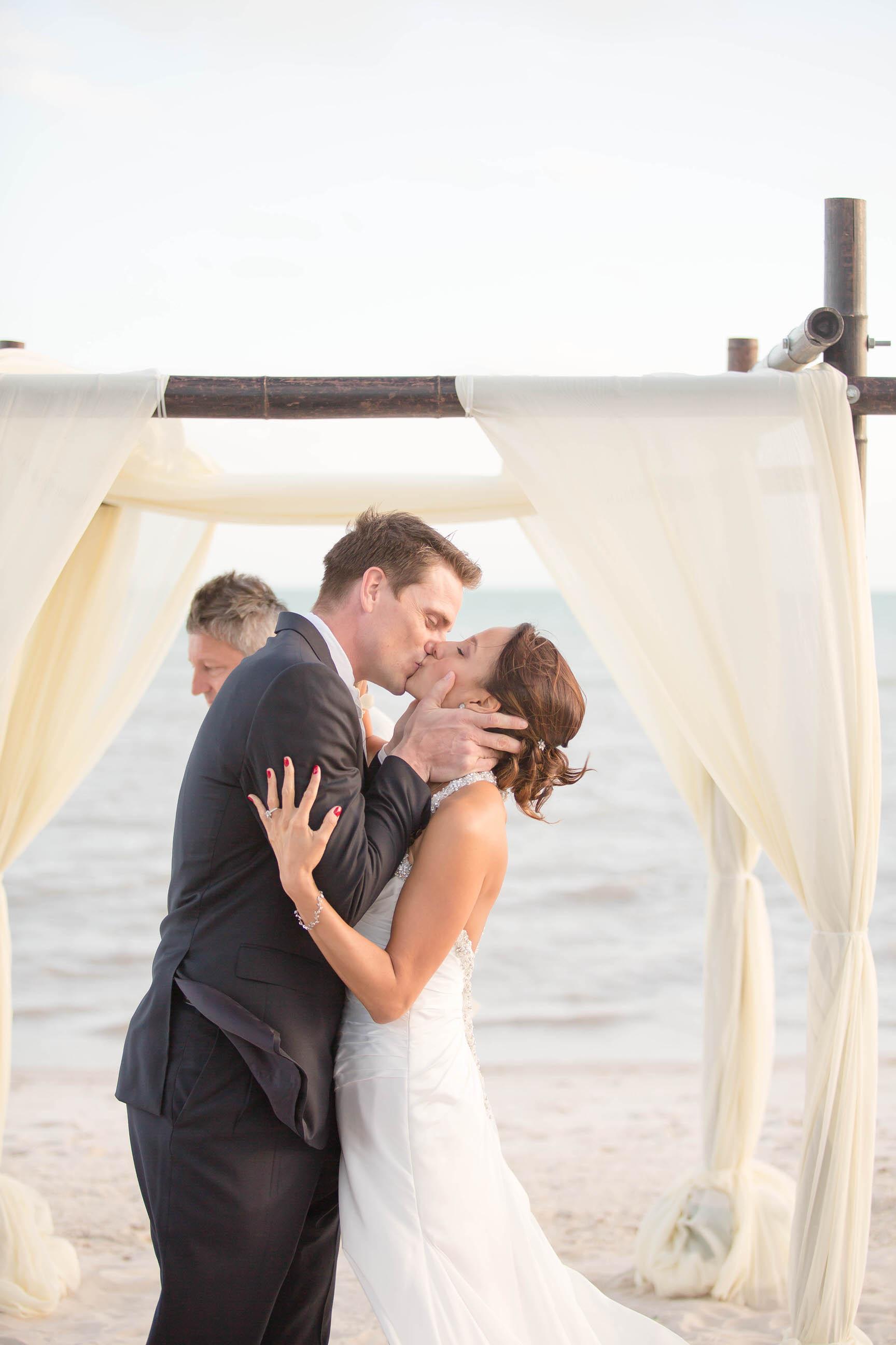 you_may_kiss_the_bride_tiny_house_photo.jpg