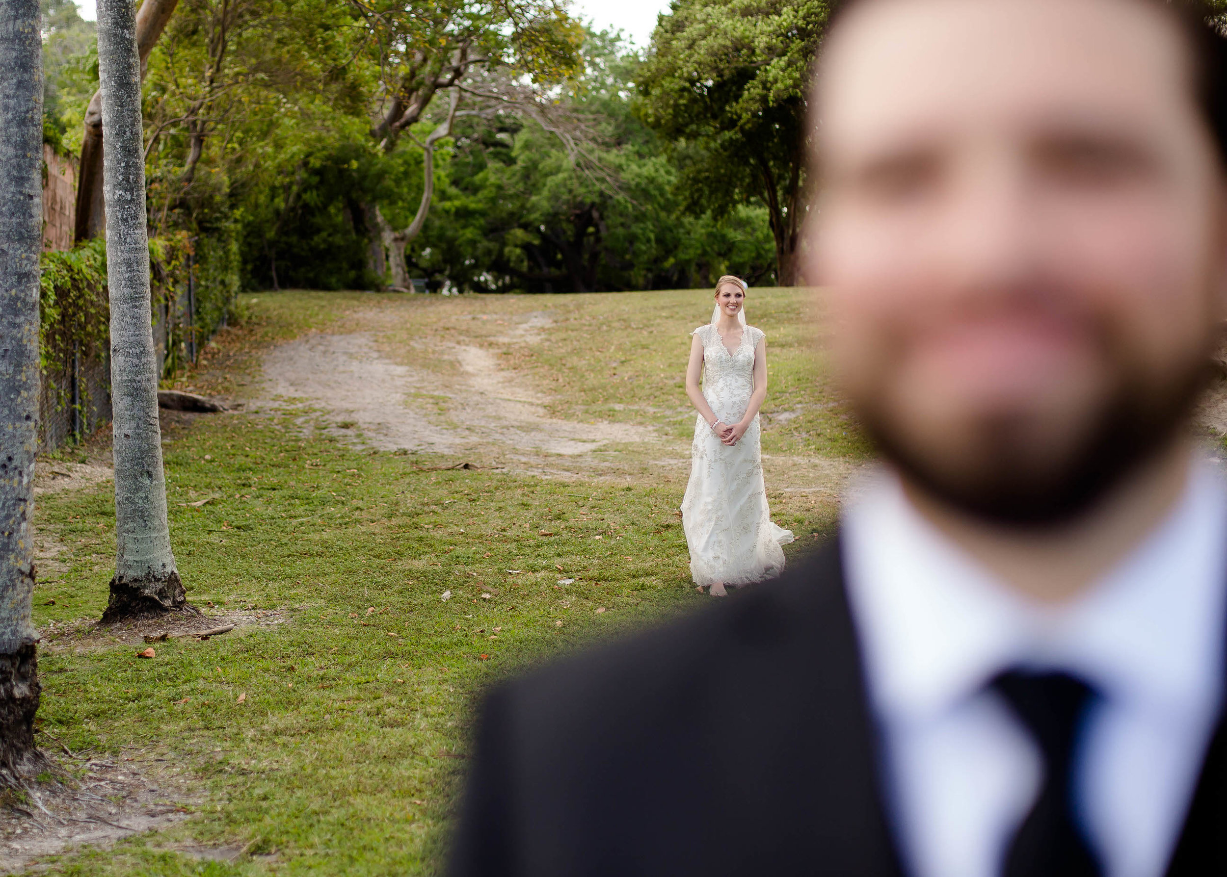 bride_walking_first_look_moments.jpg