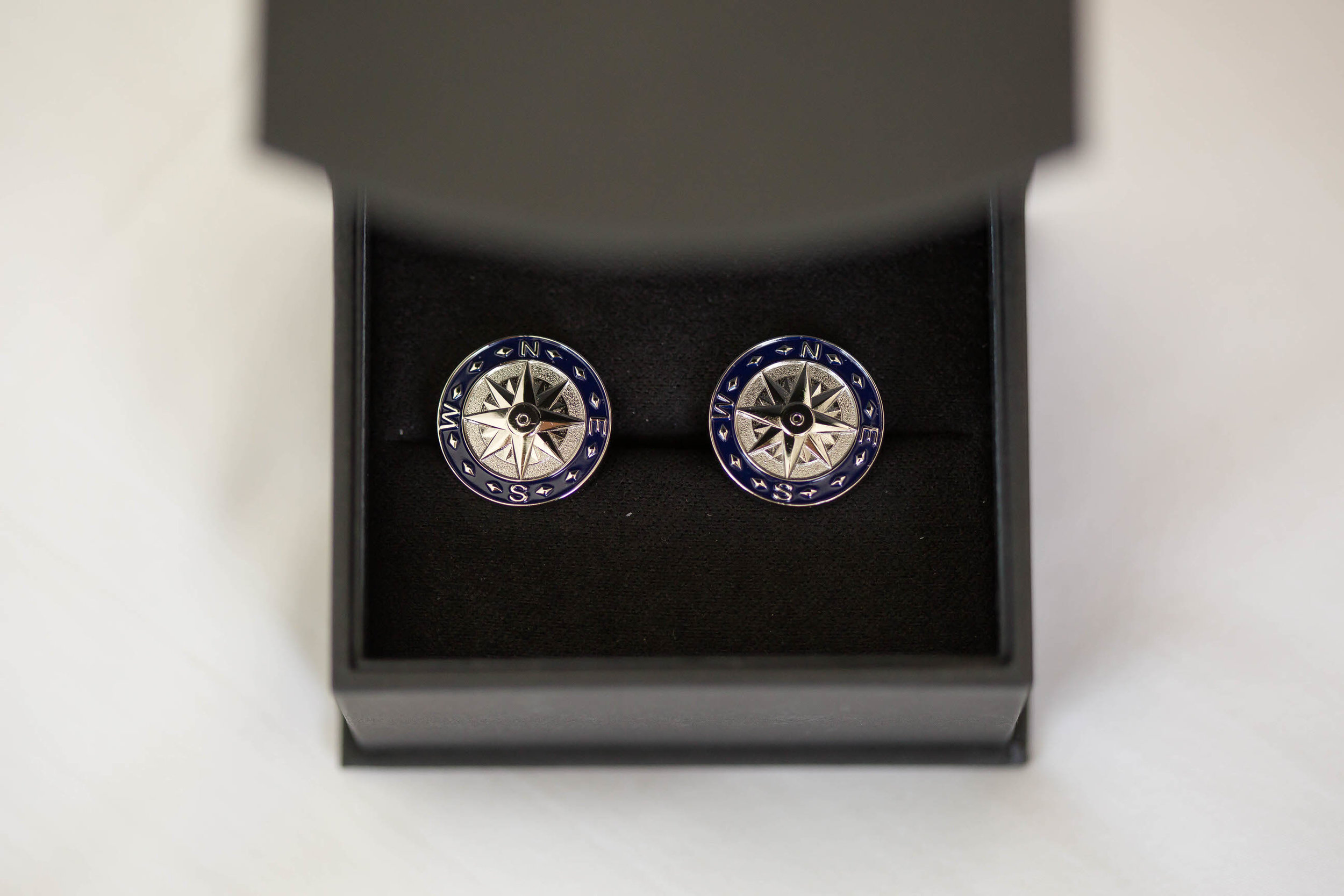 groom_cuff_links_present_tiny_house_photo_sonesta_wedding.jpg