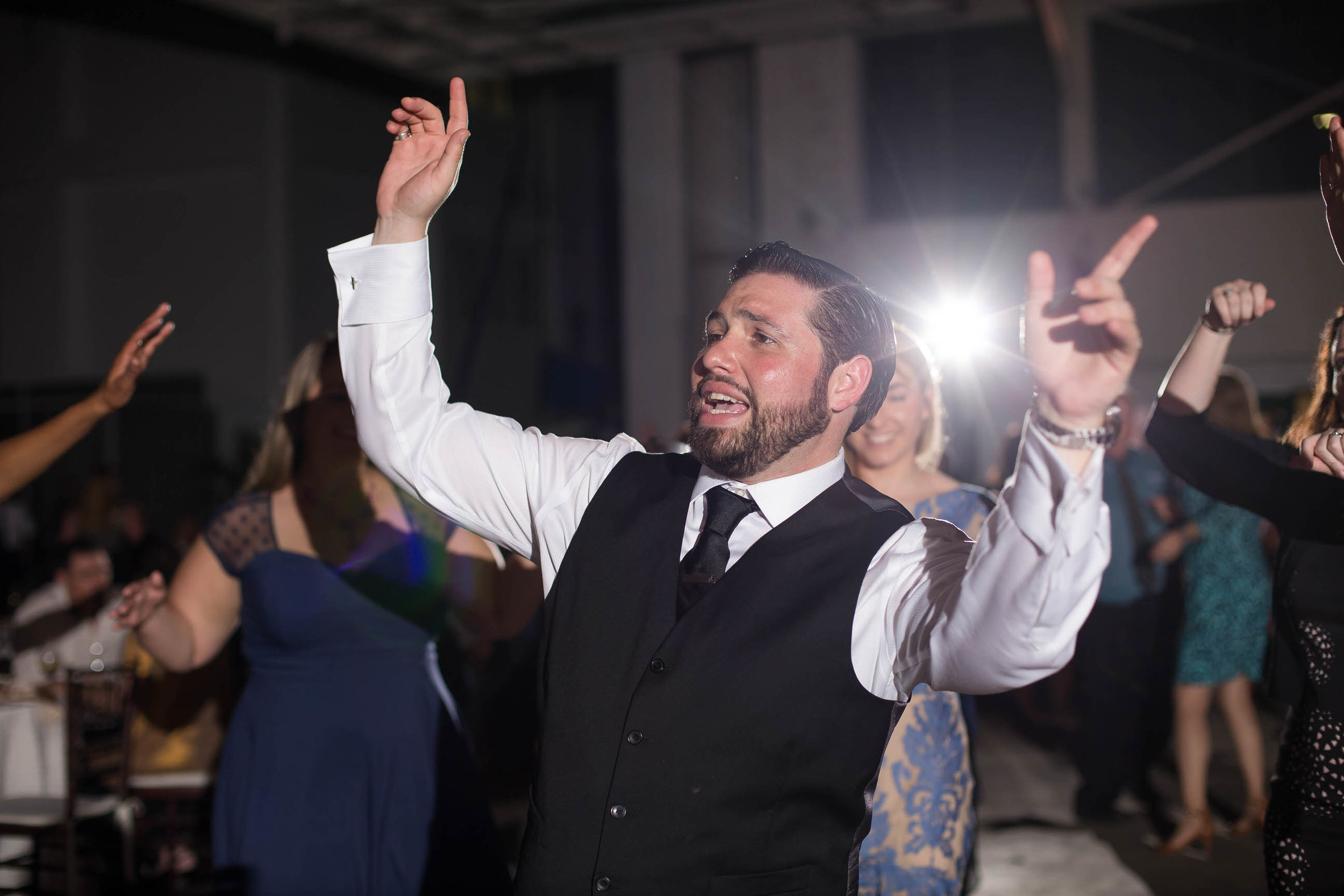 groom_dancing_moments_tiny_house_photo_weddings.jpg