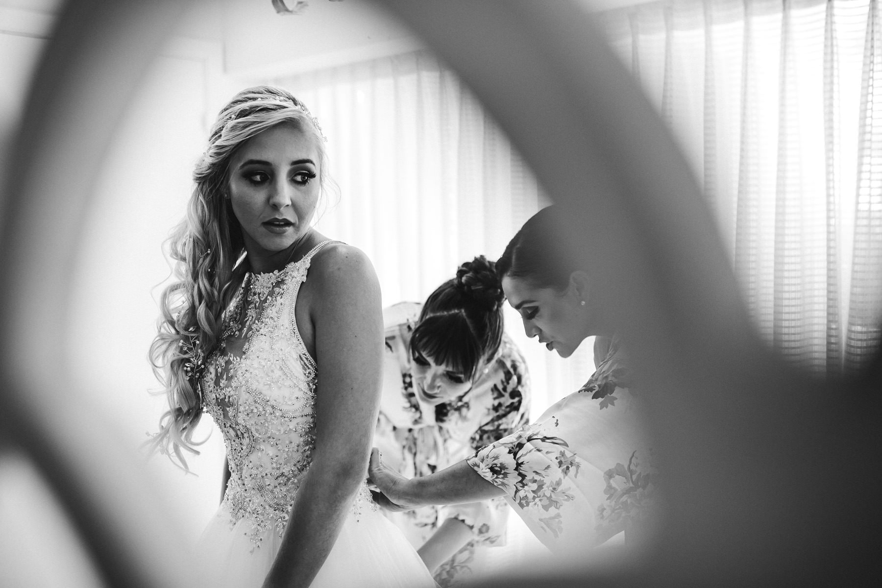 bride-anticipation-nerves-jitters-black-and-white-tiny-house-photo.jpg