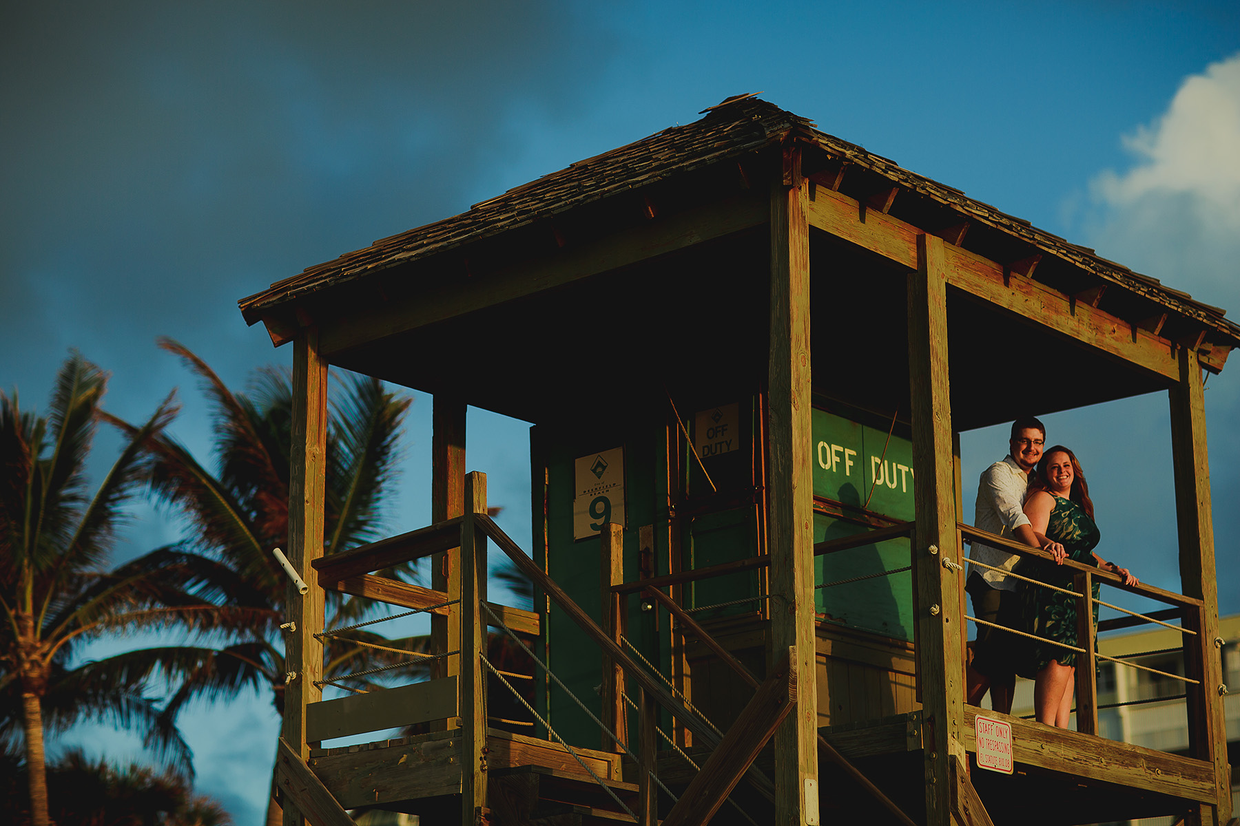 palm-trees-salty-couple-in-love-tiny-house-photo.jpg