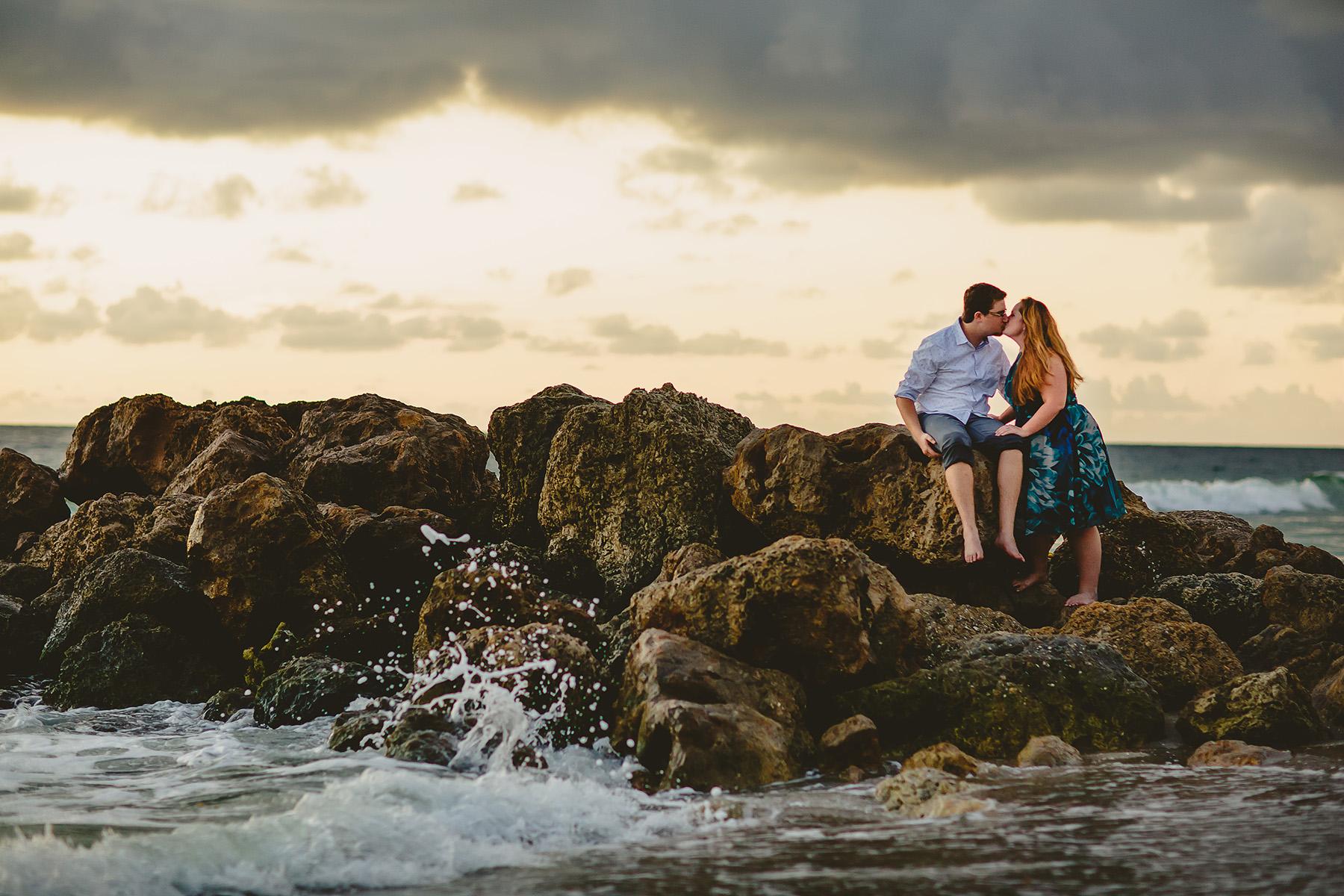 romantic-intimate-engagement-session-rocks-waves-tiny-house-photo.jpg