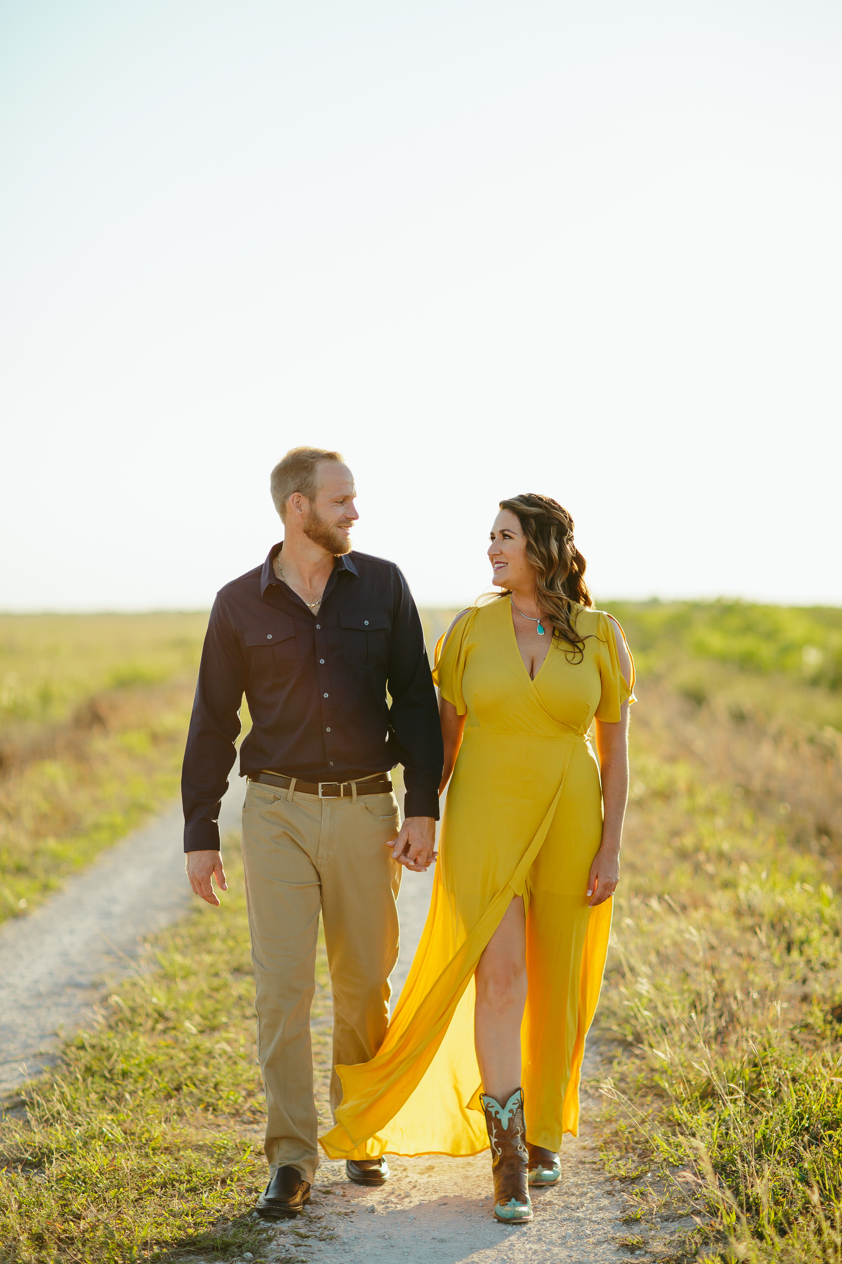 fall inspired florida engagement session tiny house photo everglades