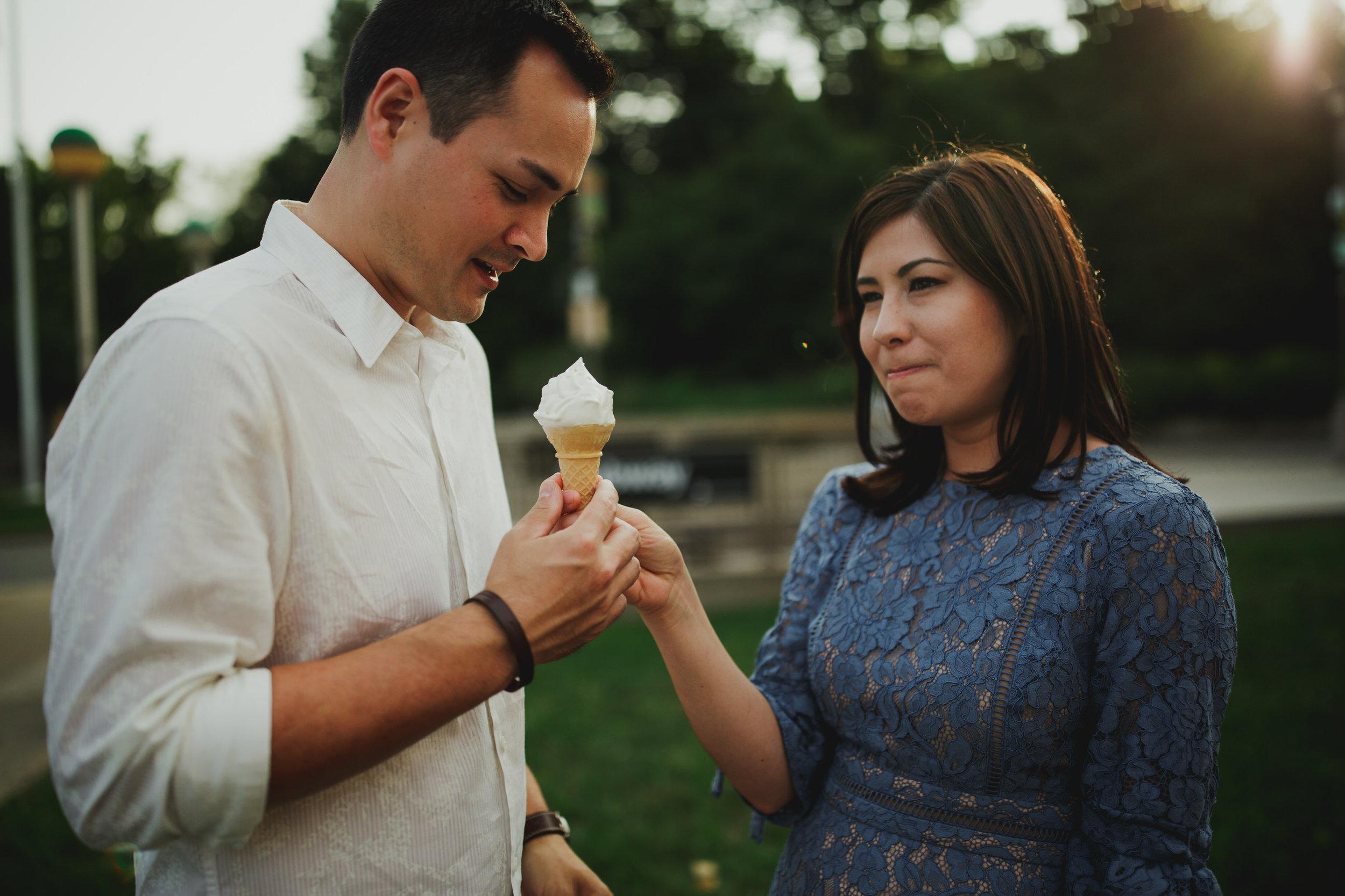 couple_eating_ice_cream_tiny_house_photo_engagement_documentary_photos.jpg