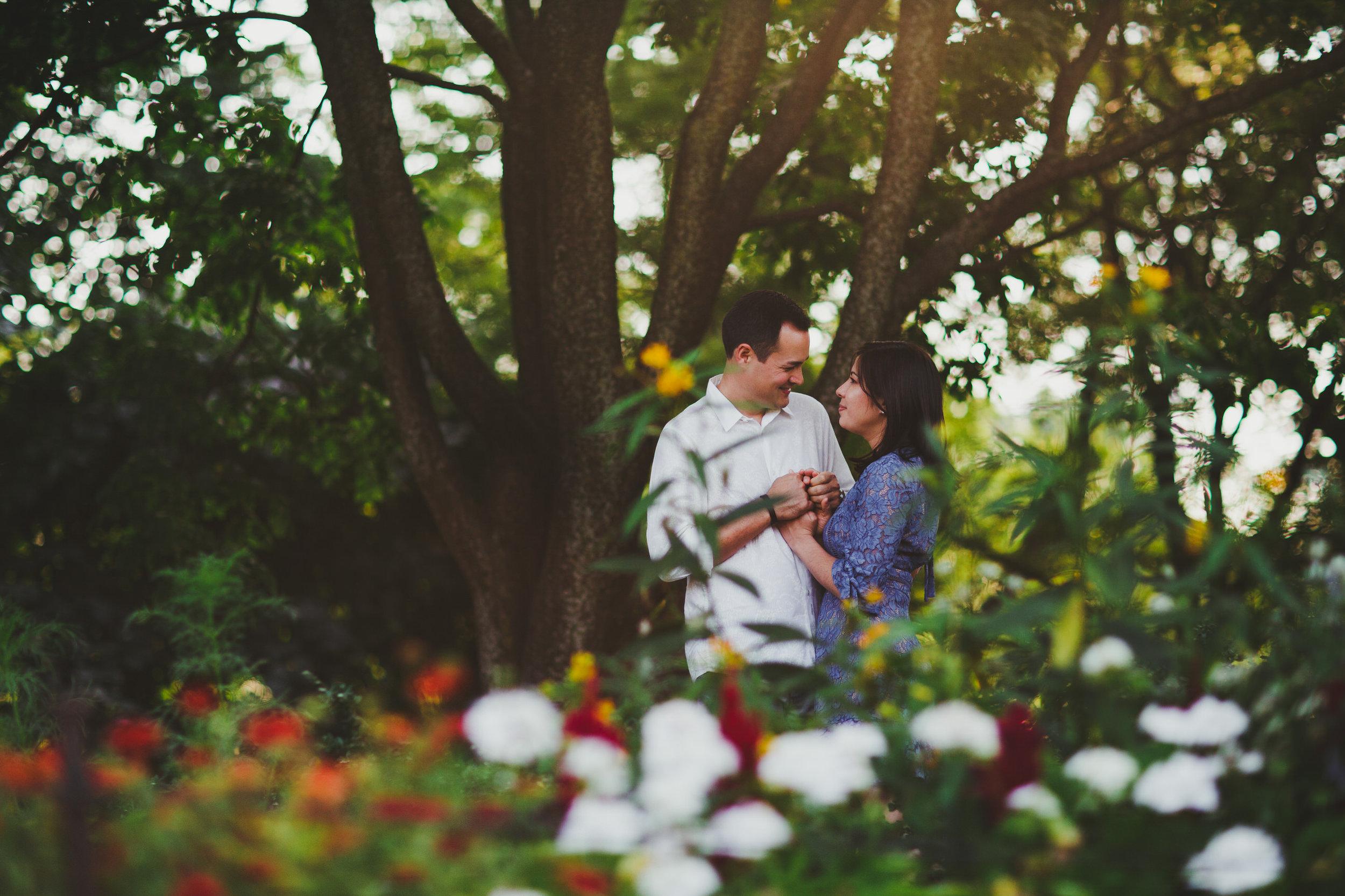 international_wedding_photographer_engagement_portraits_timeless_love_tiny_house_photo.jpg