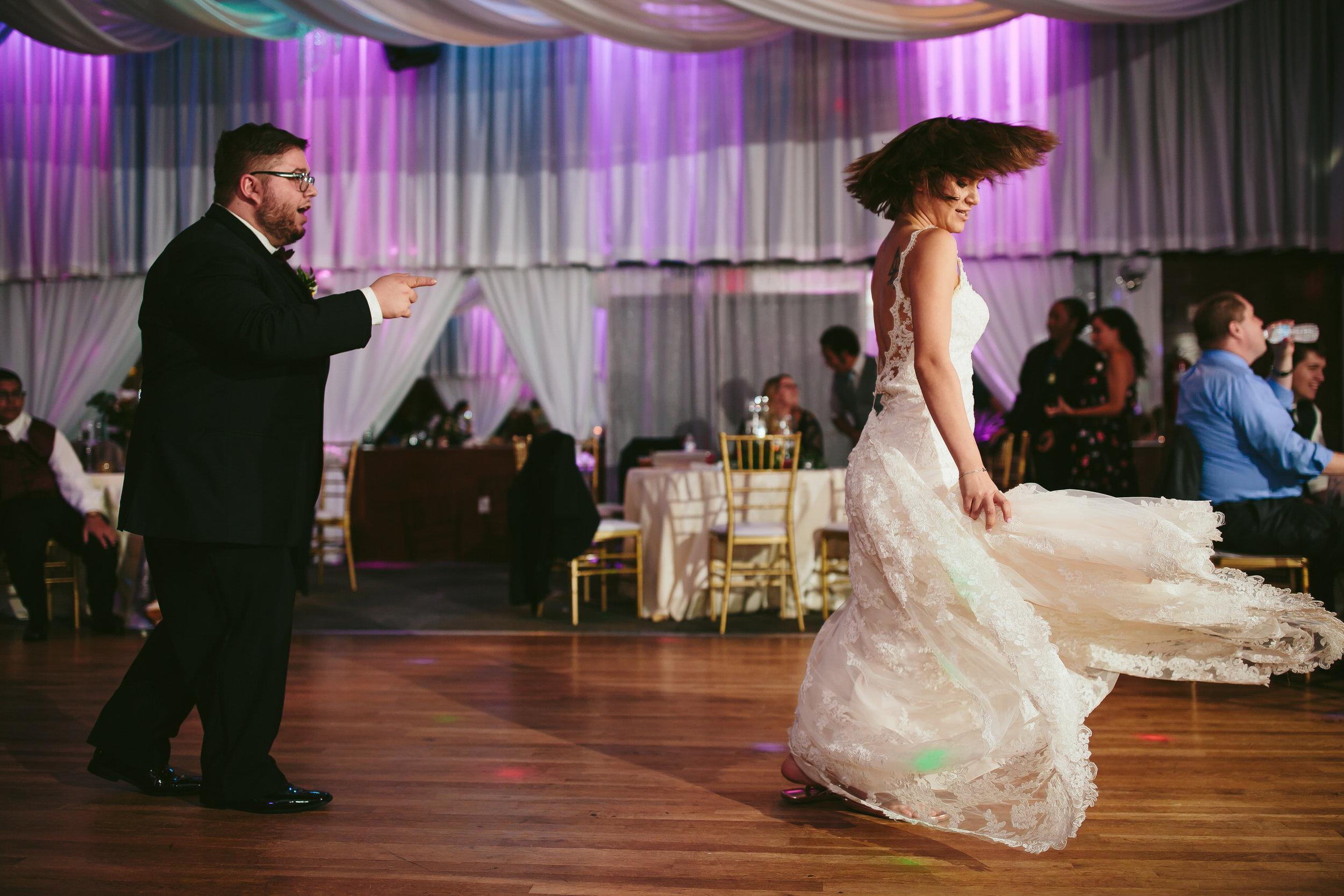 bride_man_of_honor_tiny_house_photo_best_friends_weddings.jpg