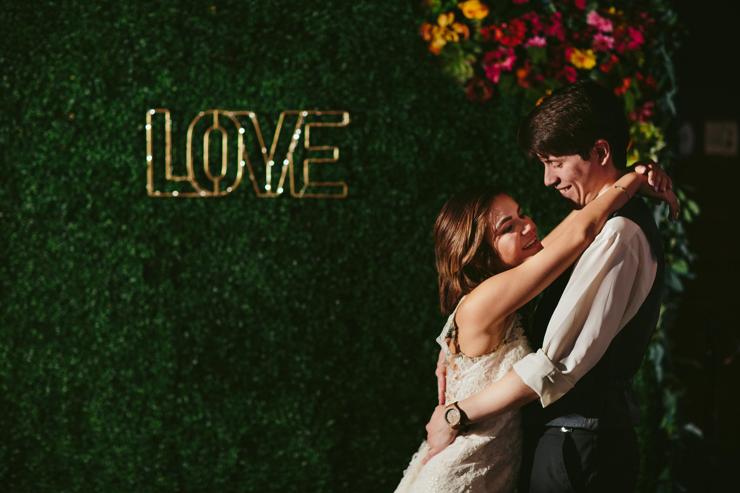 love_wedding_reception_tiny_house_photo_rustic_weddings.jpg