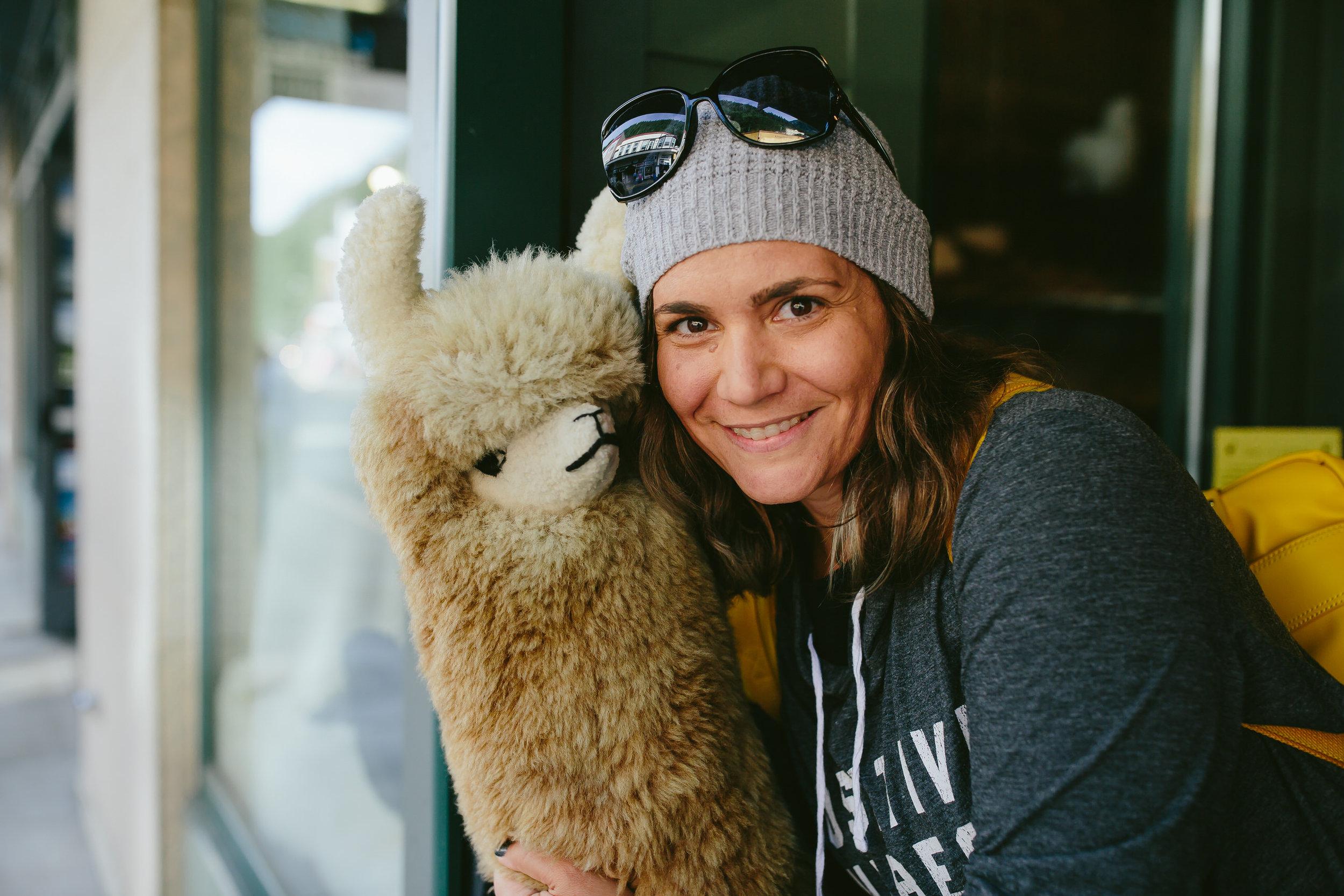 stephie loves llamas!