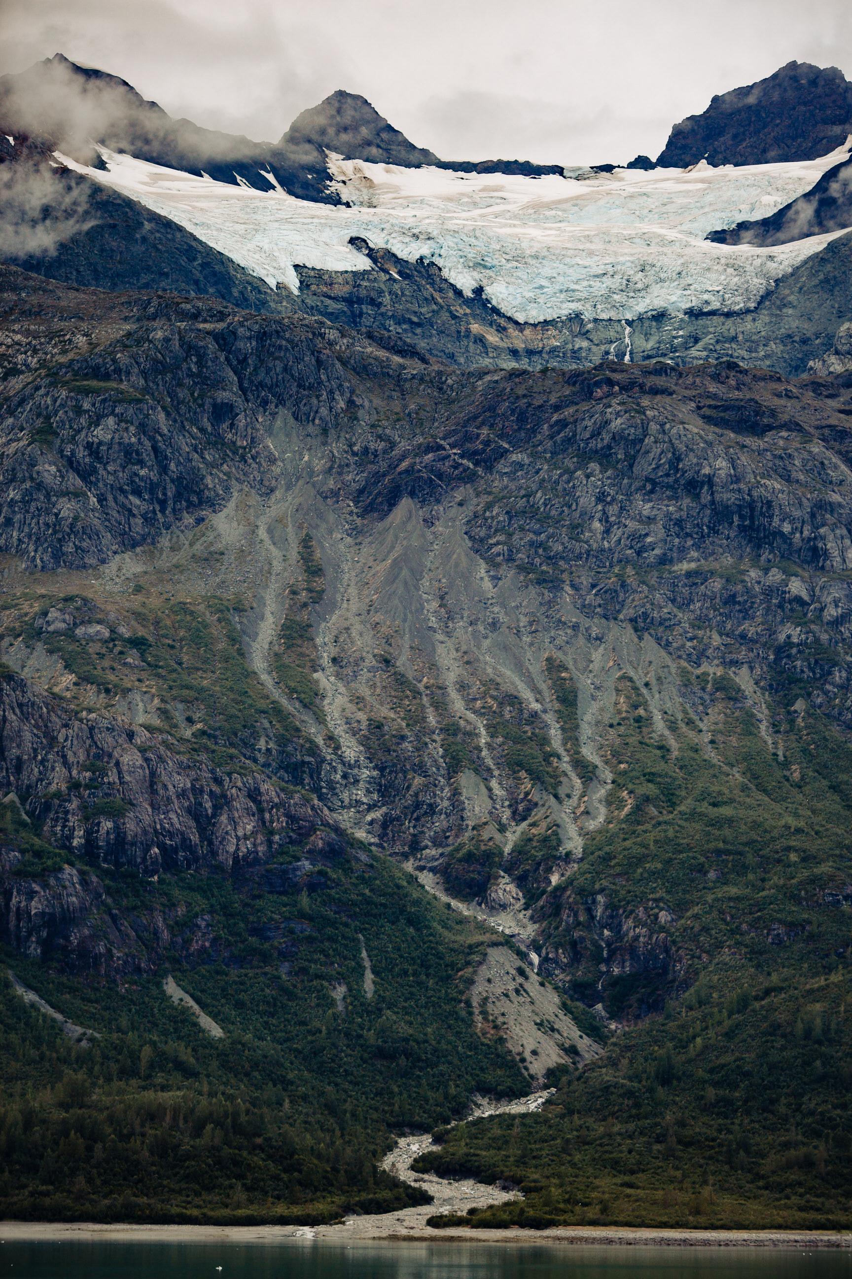 beautiful_mountains_glaciers_glacier_bay_tiny_house_photo_travel_adventures-1.jpg
