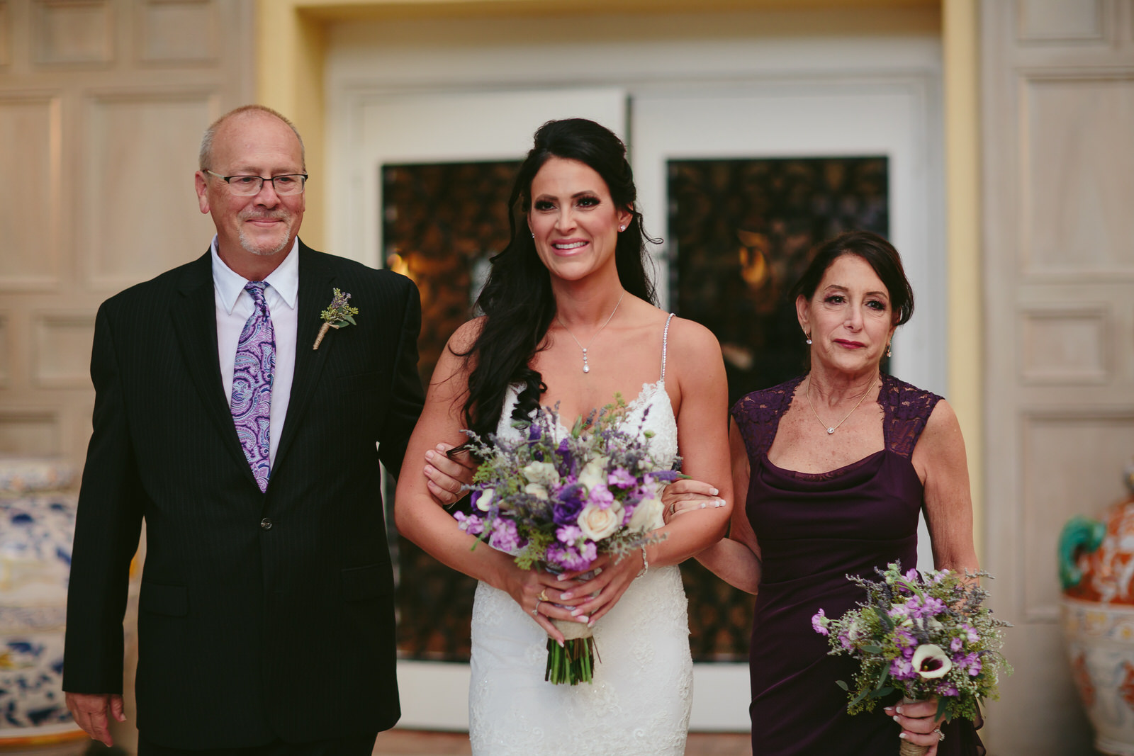 bride_aisle_parents_addison_boca_wedding_photographer_tiny_house_photo.jpg