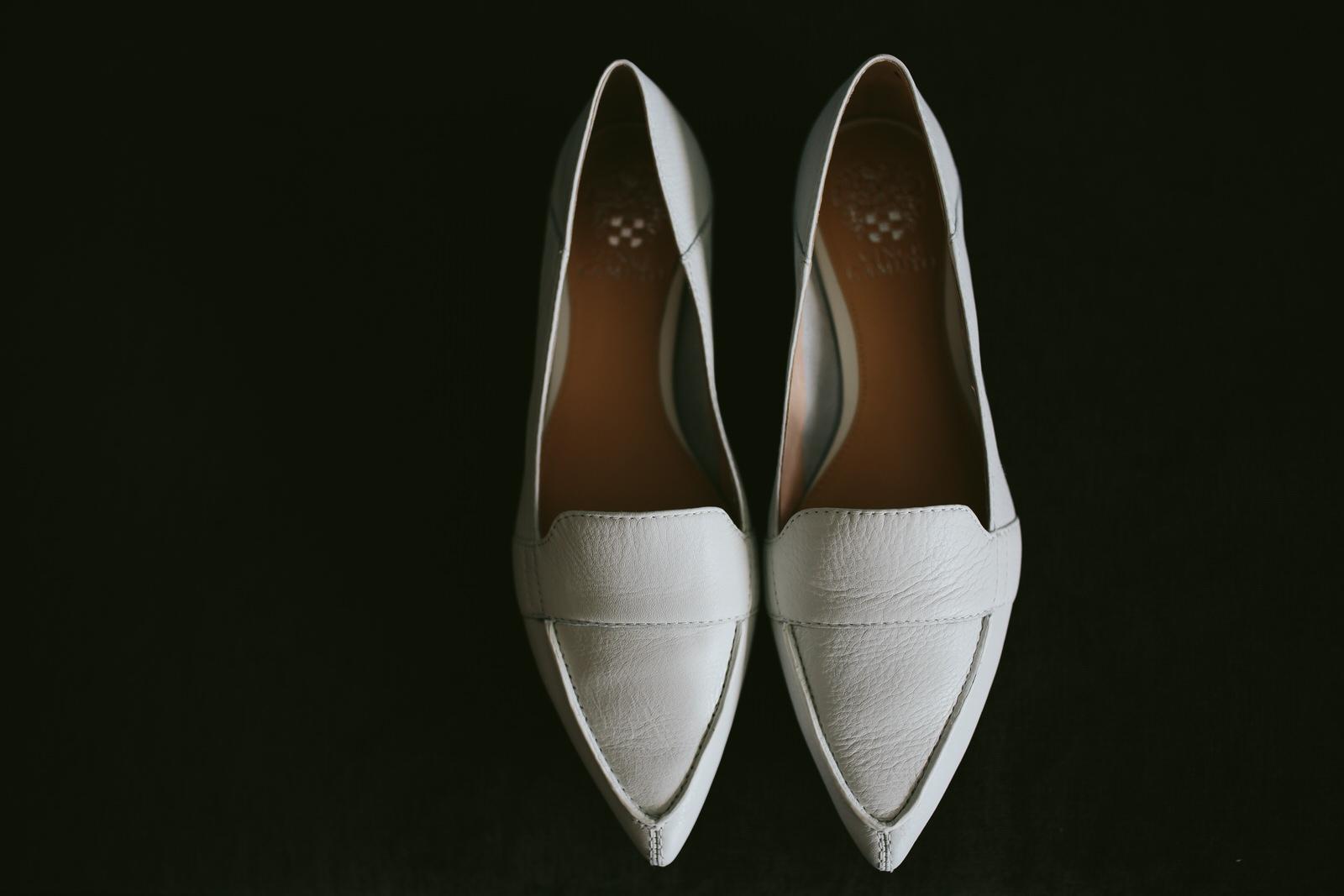 bride_shoes_tiny_house_photo_wedding_details.jpg