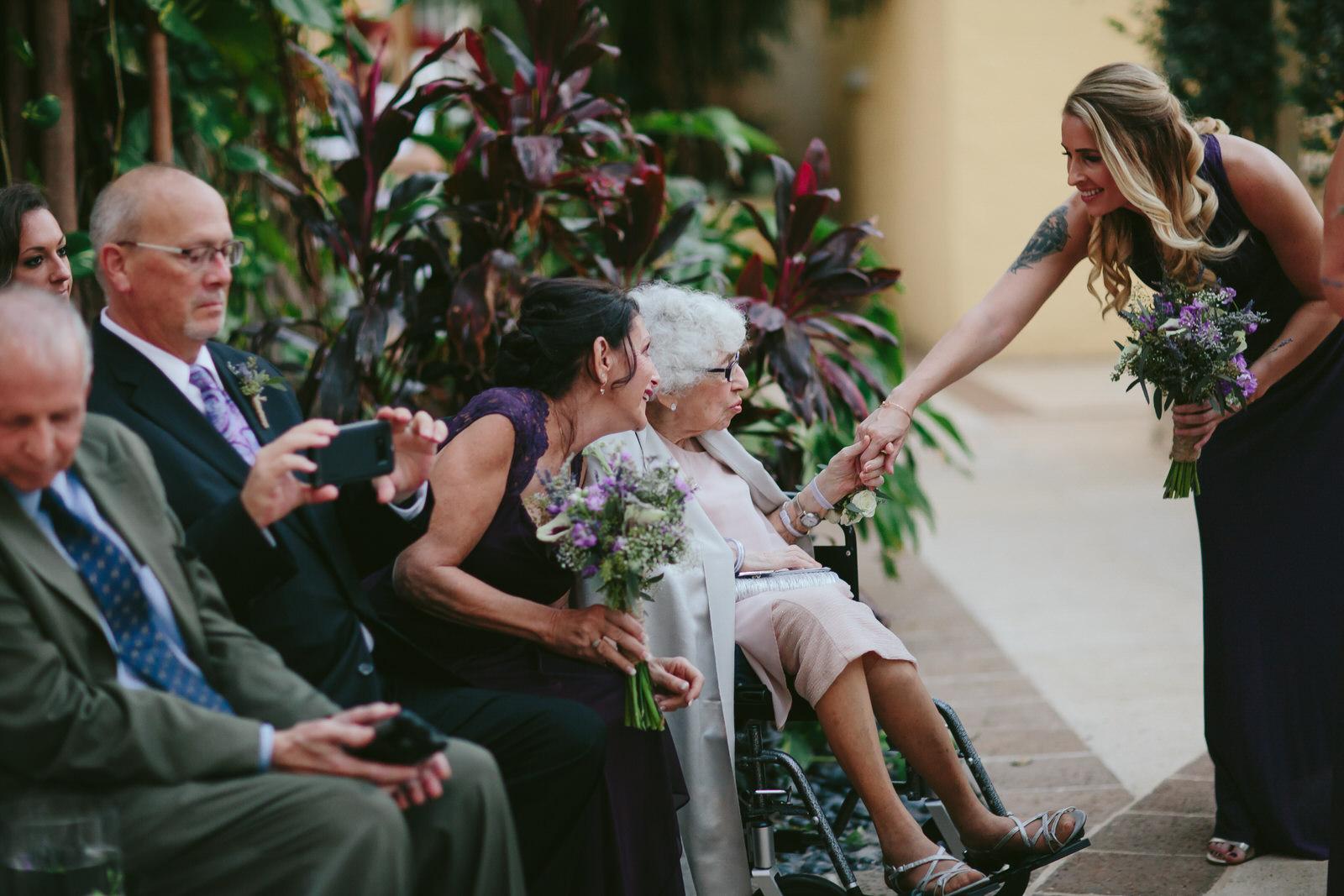 moment_driven_wedding_photographer_tiny_house_photo.jpg