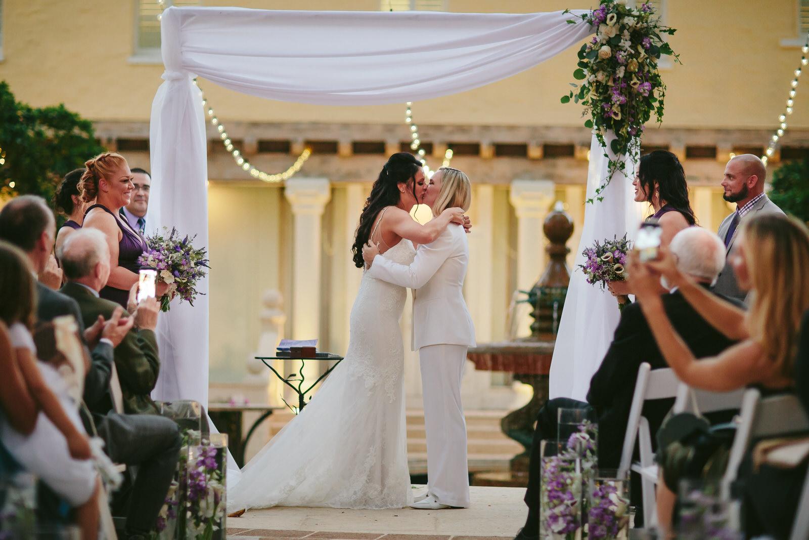 stephanie_lynn_weddings_tiny_house_photo_the_kiss_two_brides_wedding_photographer.jpg