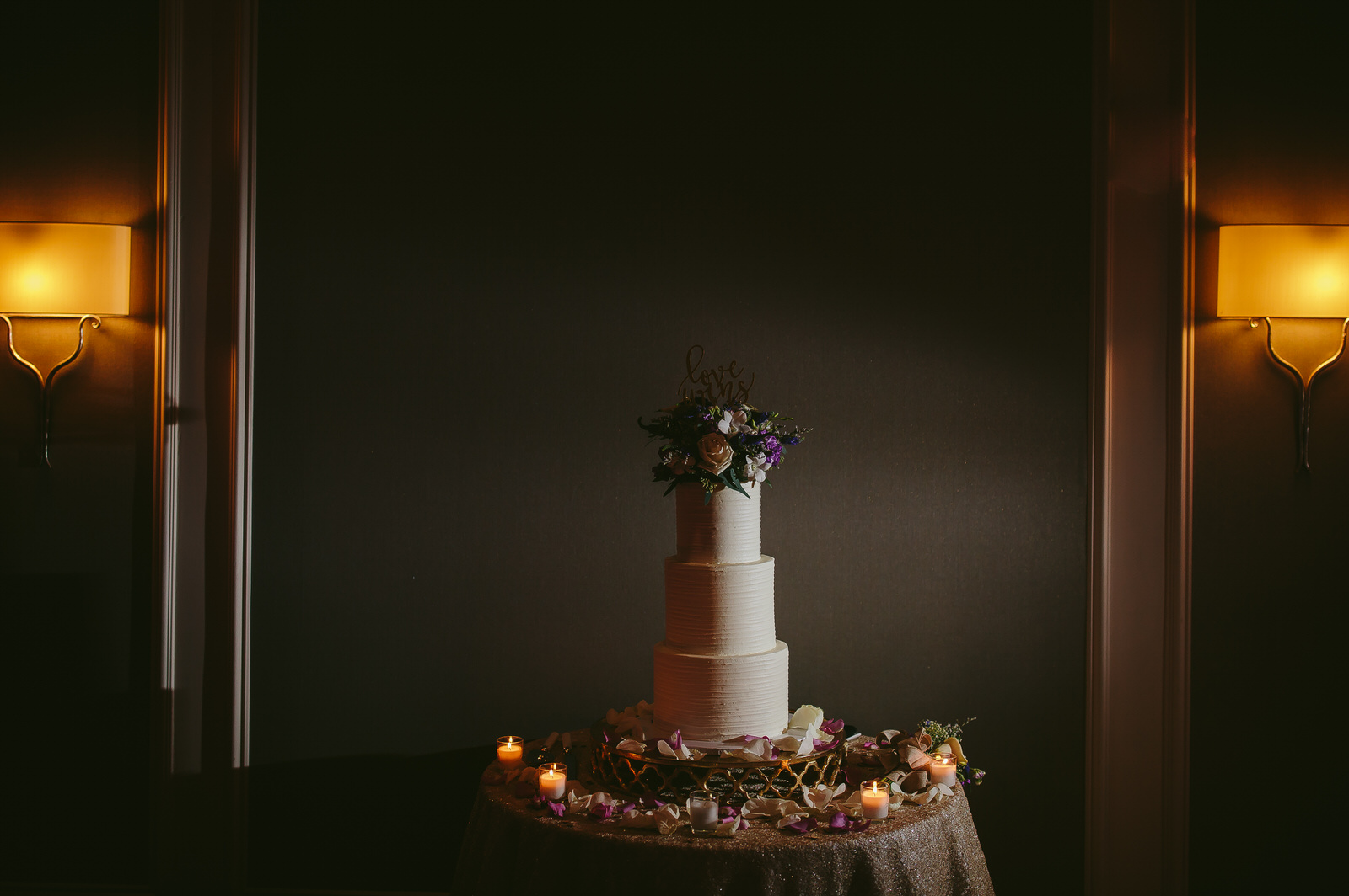 tiny_house_photo_wedding_cake_portrait_details_boca_raton.jpg