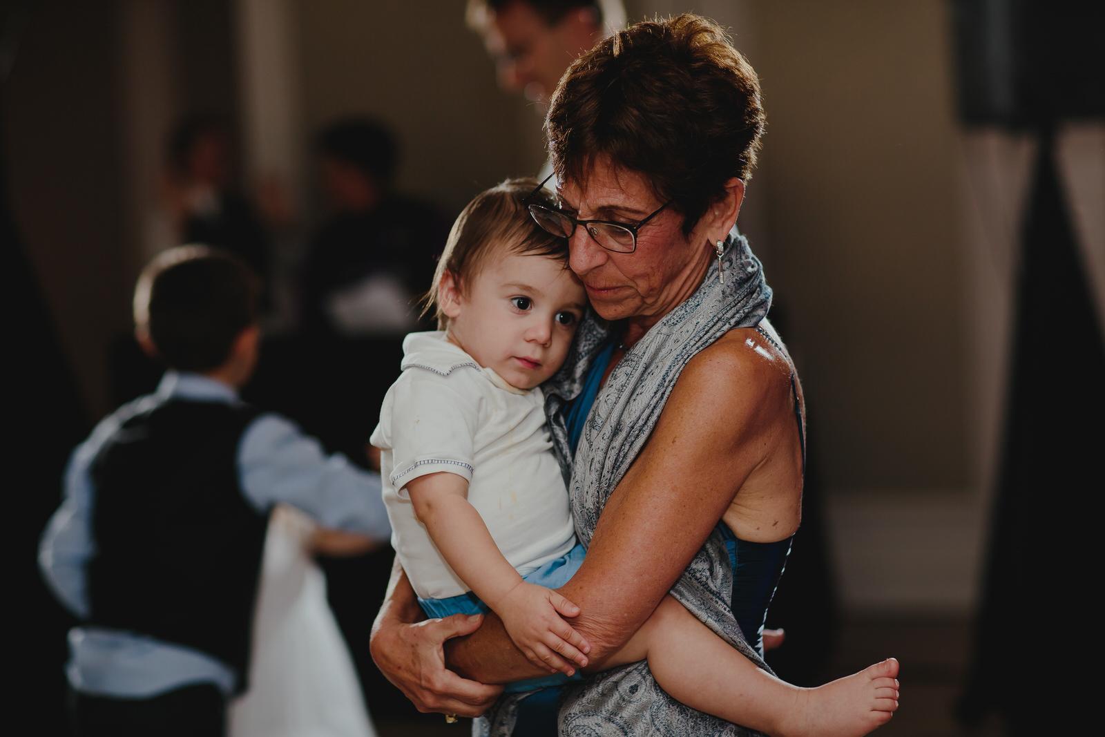 tiny_house_photo_wedding_photography_documentary_wedding_photojournalism.jpg
